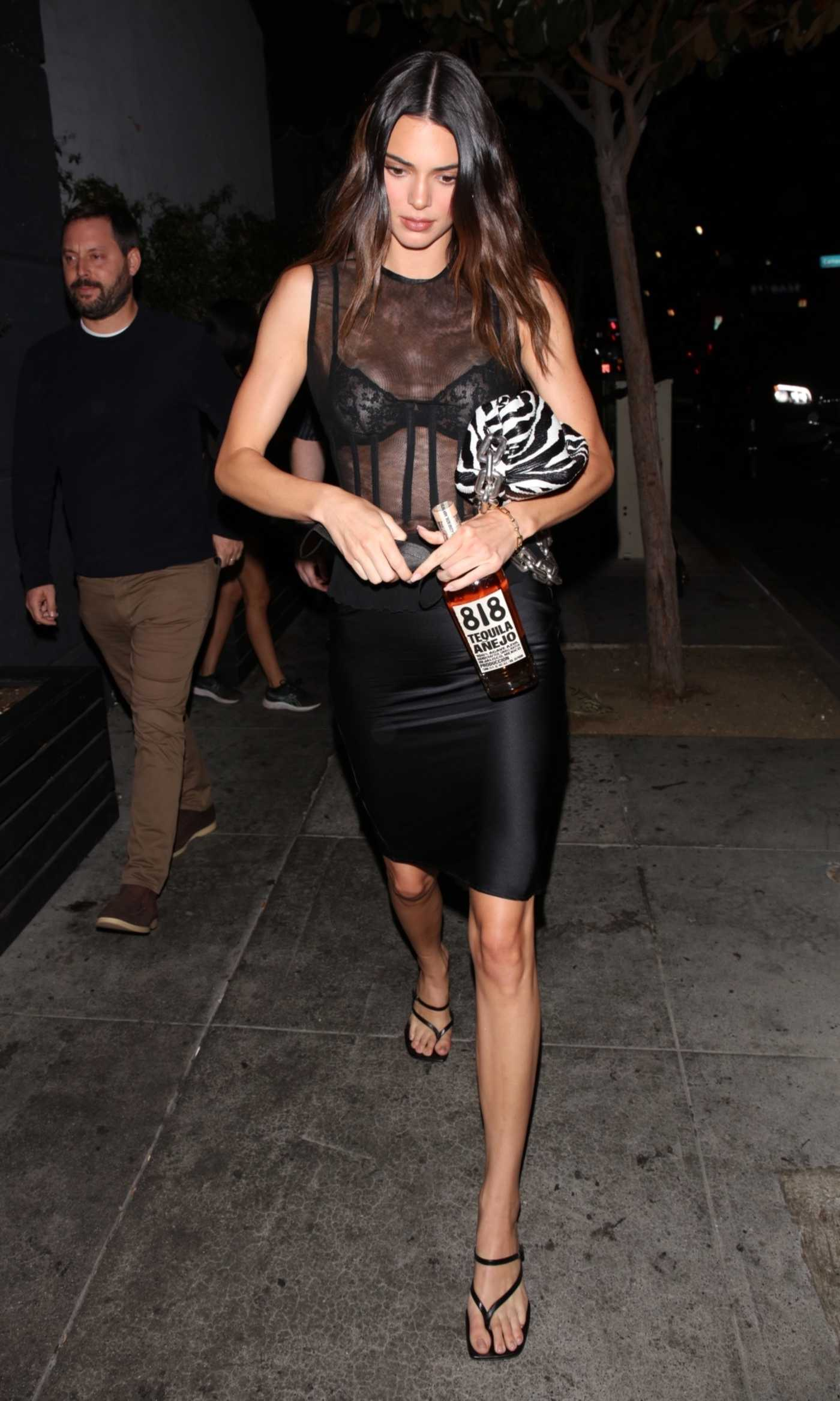 Kendall Jenner in a Black Outfit Exits a Dinner Meeting in Hollywood 09/01/2021