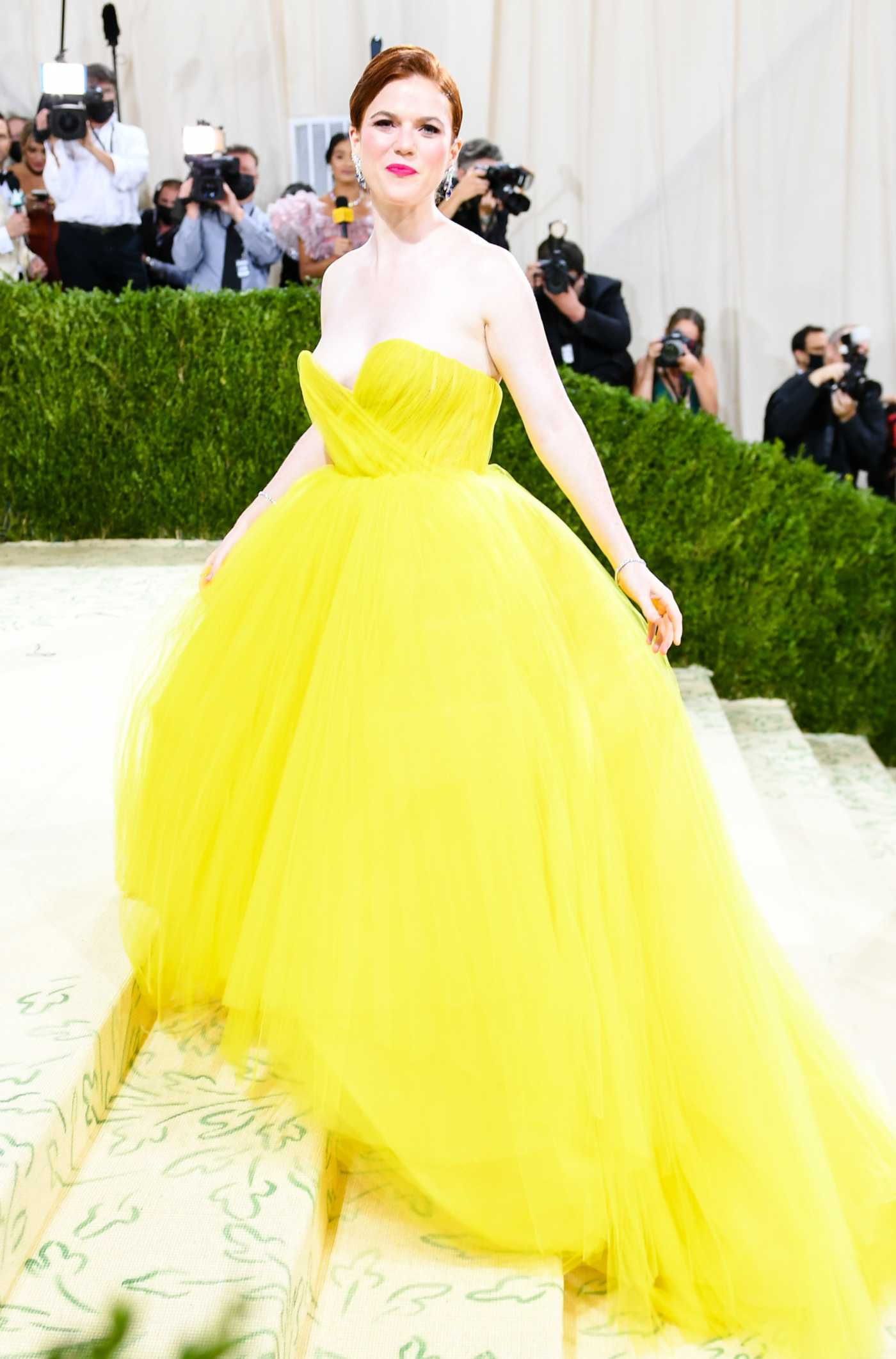 Rose Leslie Attends 2021 Met Gala In America: A Lexicon of Fashion at Metropolitan Museum of Art in New York City 09/13/2021