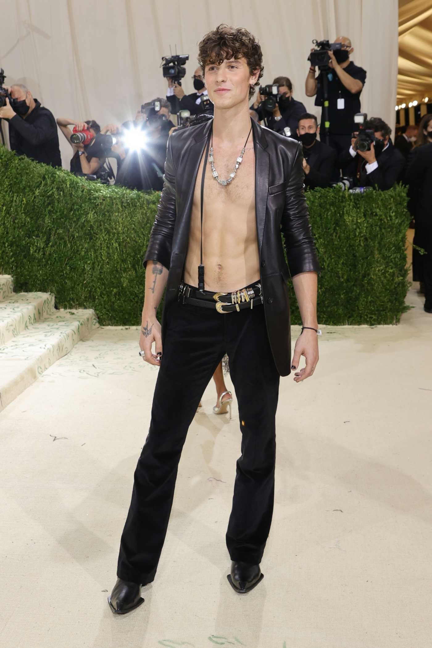 Shawn Mendes Attends 2021 Met Gala In America: A Lexicon of Fashion at Metropolitan Museum of Art in New York City 09/13/2021