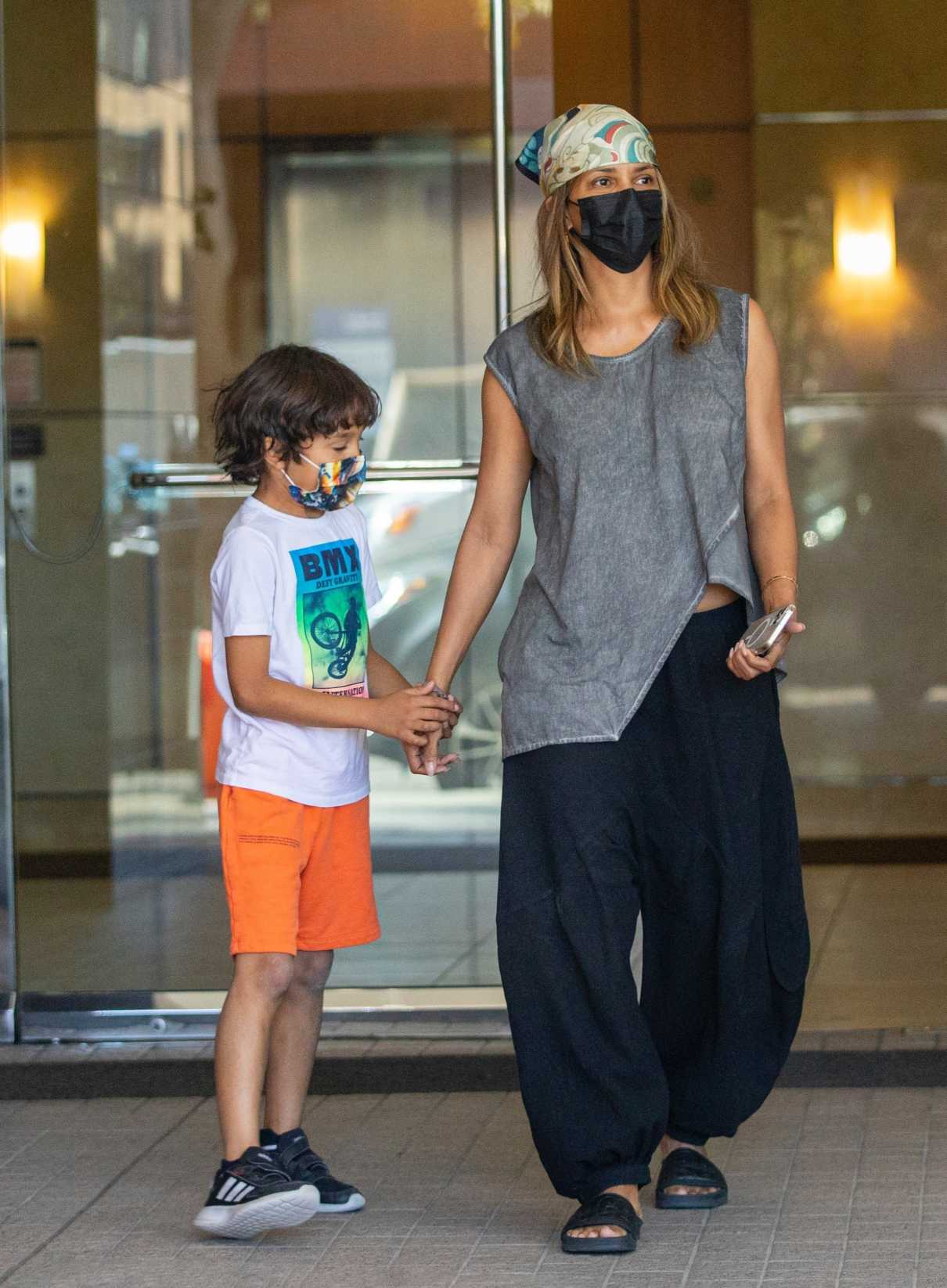 Halle Berry in a Black Protective Mask Leaves an Office with Her Son Maceo in Beverly Hills 10/12/2021