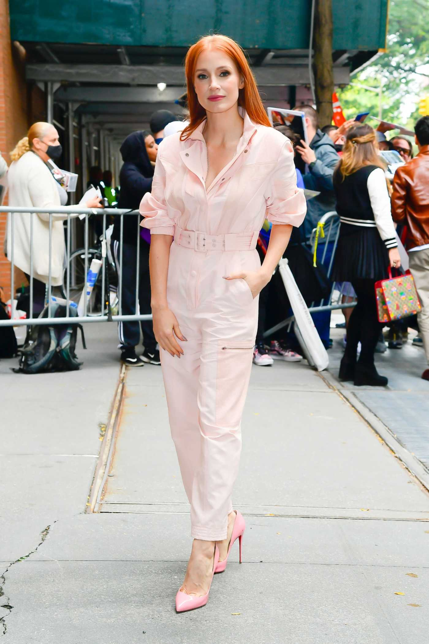 Jessica Chastain in a Pink Jumpsuit Was Seen in Midtown in New York City 10/12/2021