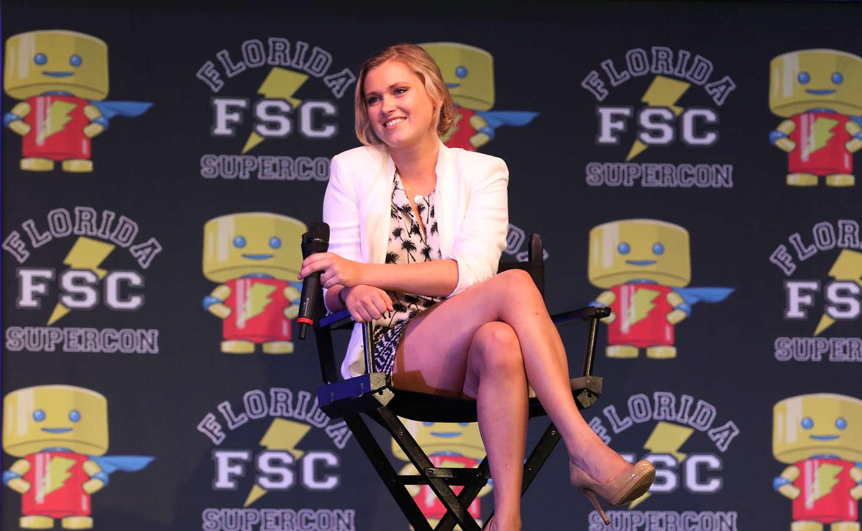 Eliza Taylor On Stage at Florida Super Con