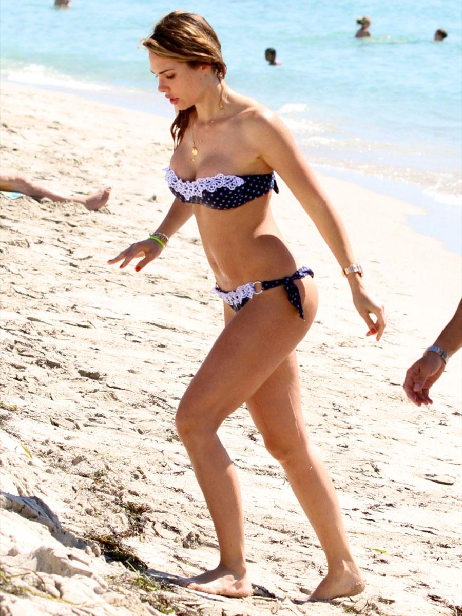 Ilary Blasi Bikini candids in Miami