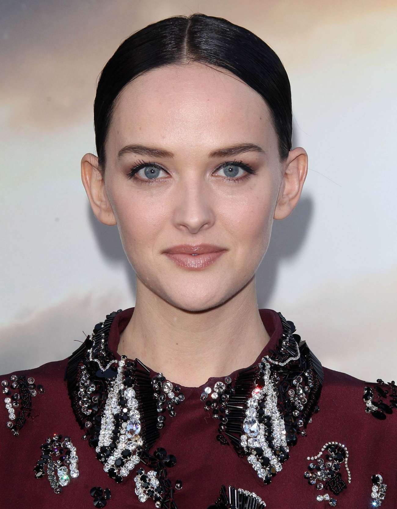 Jess Weixler Premiere Interstellar in Hollywood