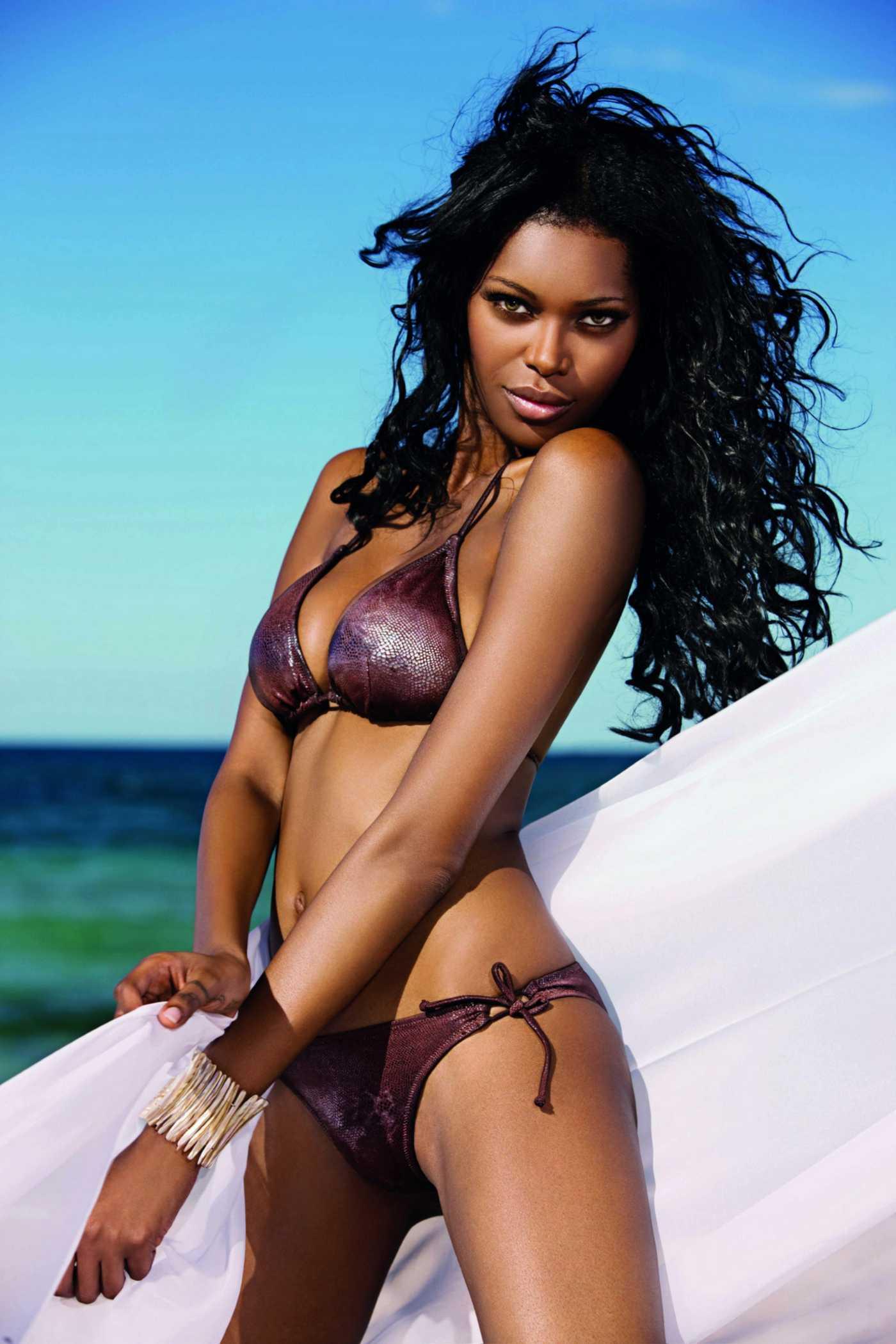 Jessica White Bikini PhotoShoot