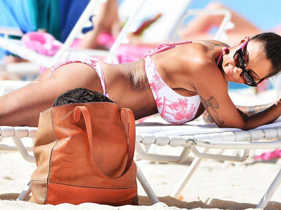 Jodie Marsh Bikini Candids on the Beach in Barbados