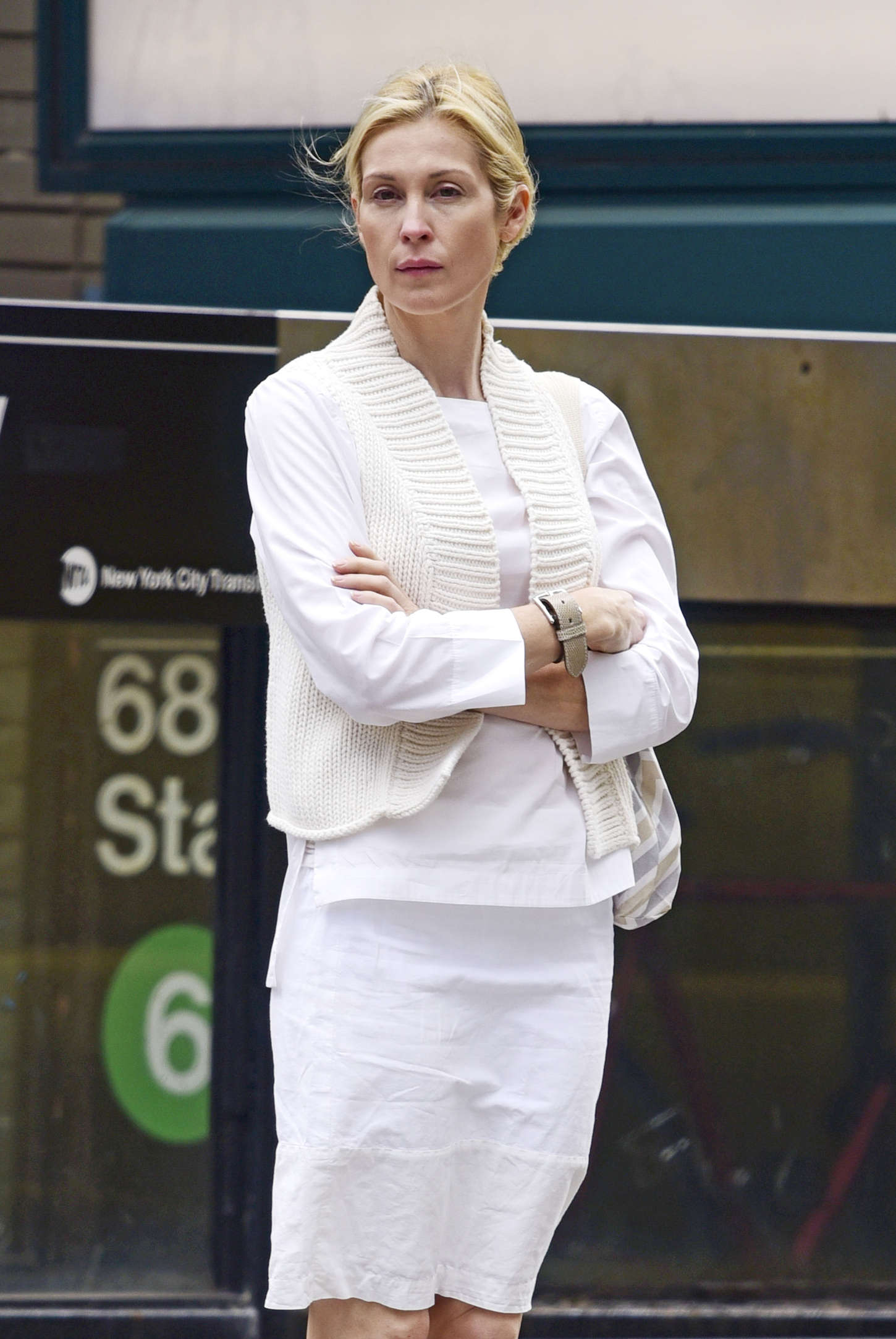 Kelly Rutherford out in New York