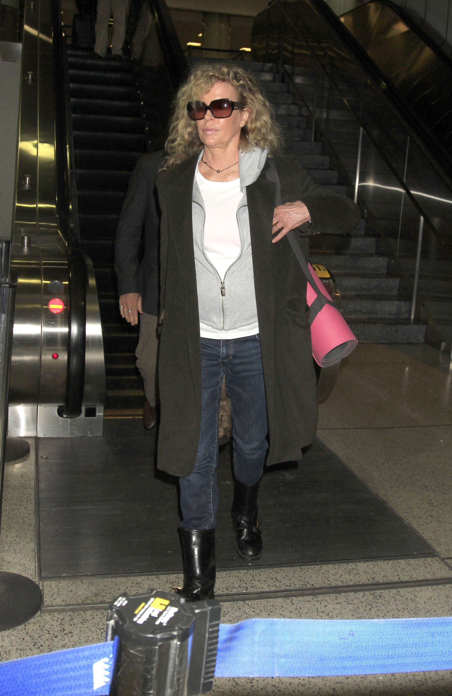 Kim Basinger out in Los Angeles-1