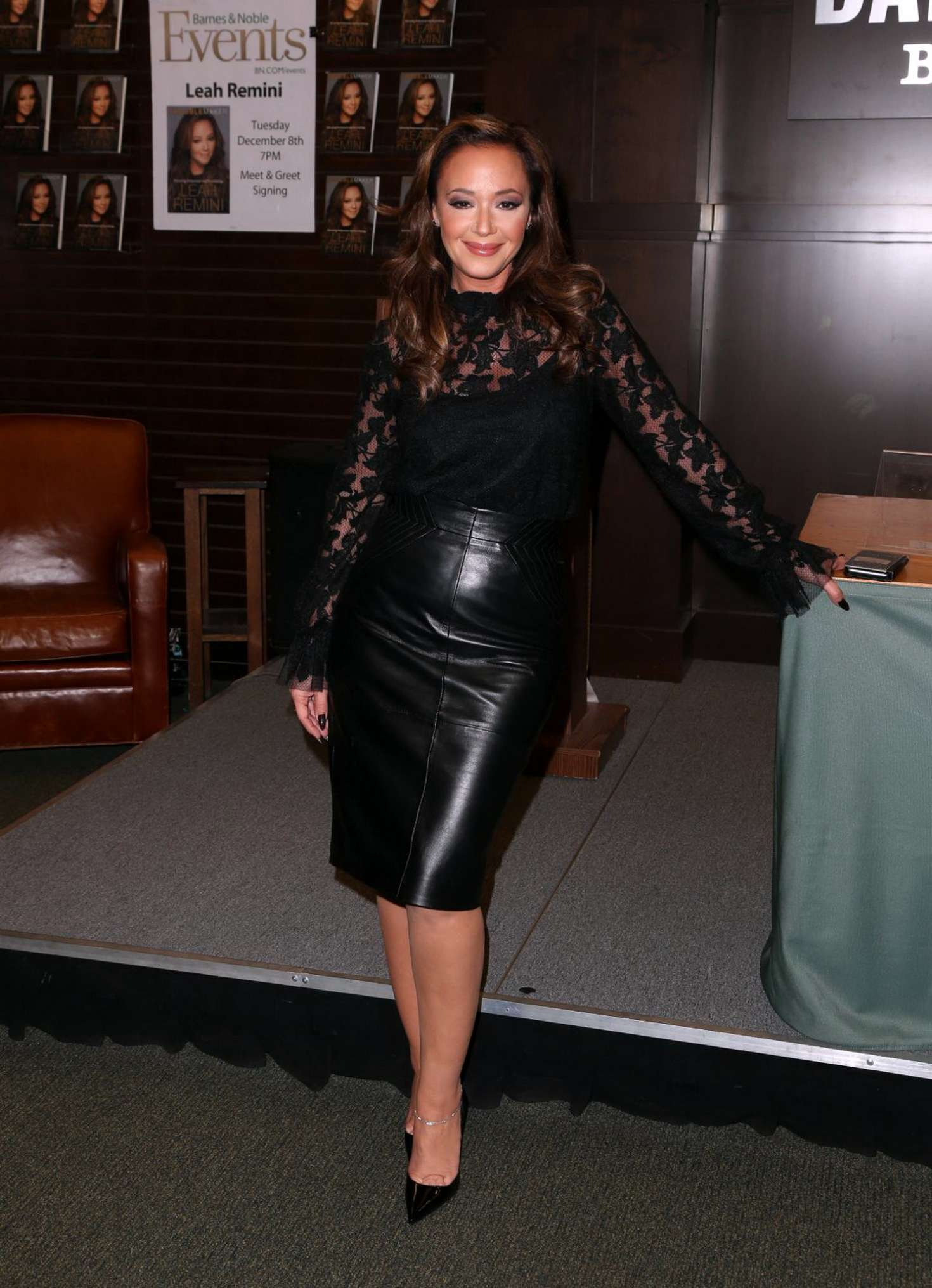 Leah Remini Signing Session of her Troublemaker-Surviving Hollywood Scientology Book