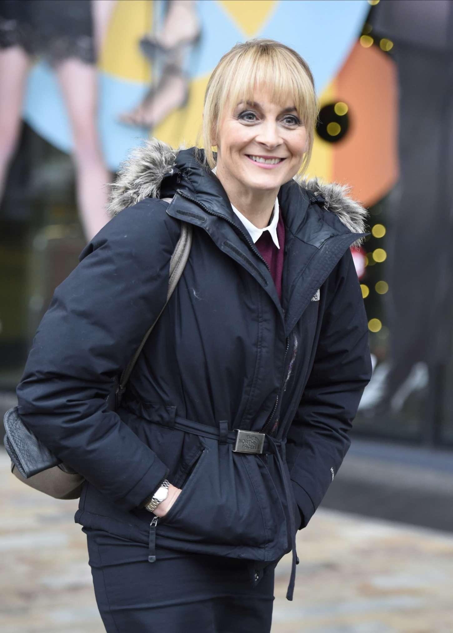Louise Minchin at BBC Media City in London – Celebrity Wiki -> onceleb.wiki
