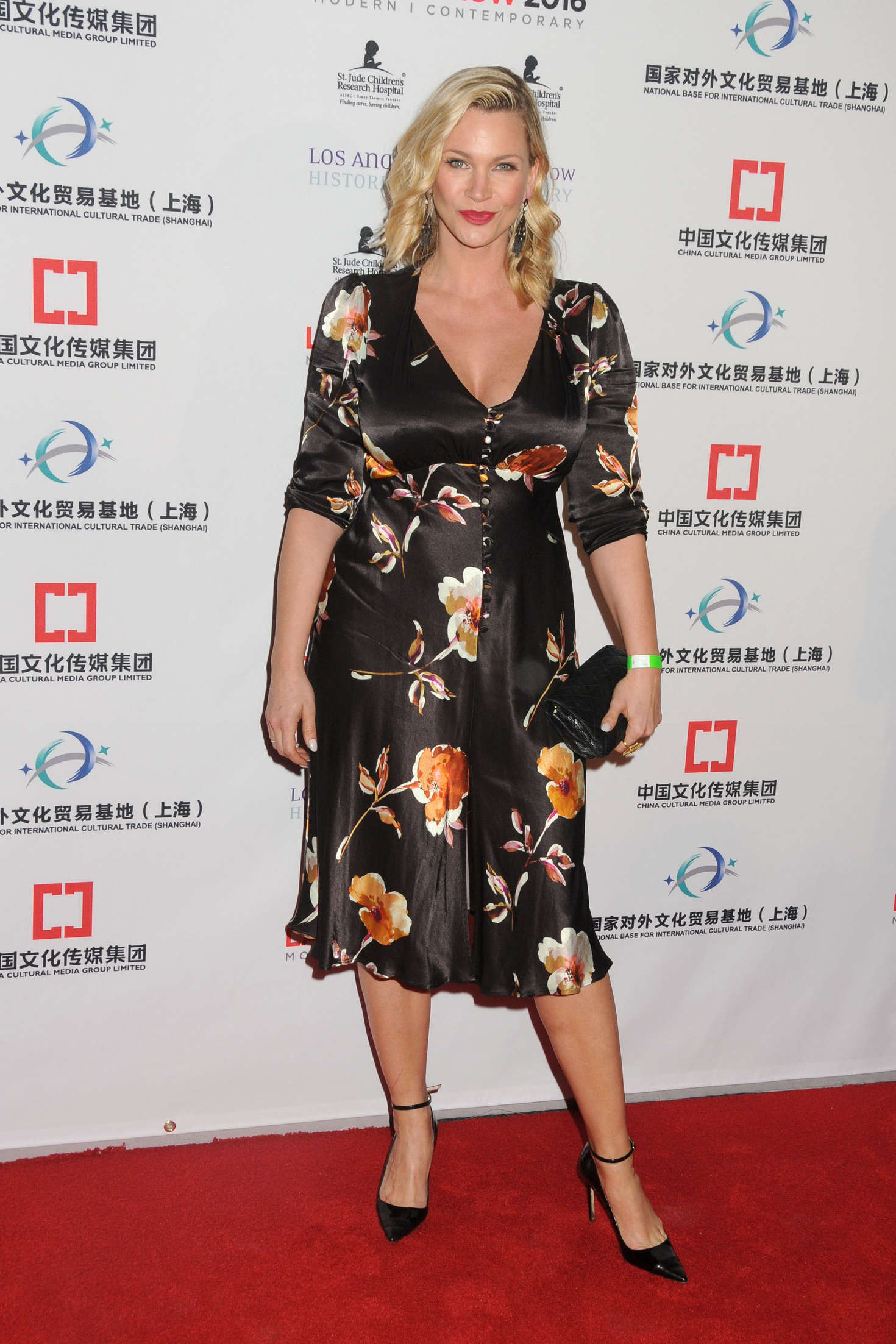 Natasha Henstridge The Los Angeles Art Show and The Los Angeles Fine Art Show in Los Angeles