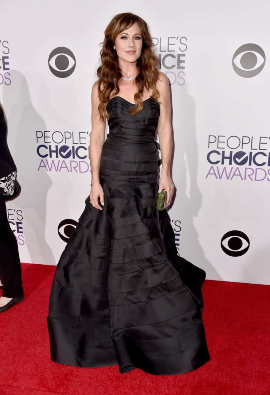 Nikki Deloach Annual Peoples Choice Awards in Los Angeles
