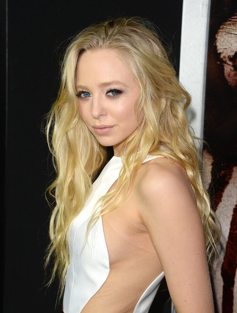 Portia Doubleday Carrie Premiere in Hollywood
