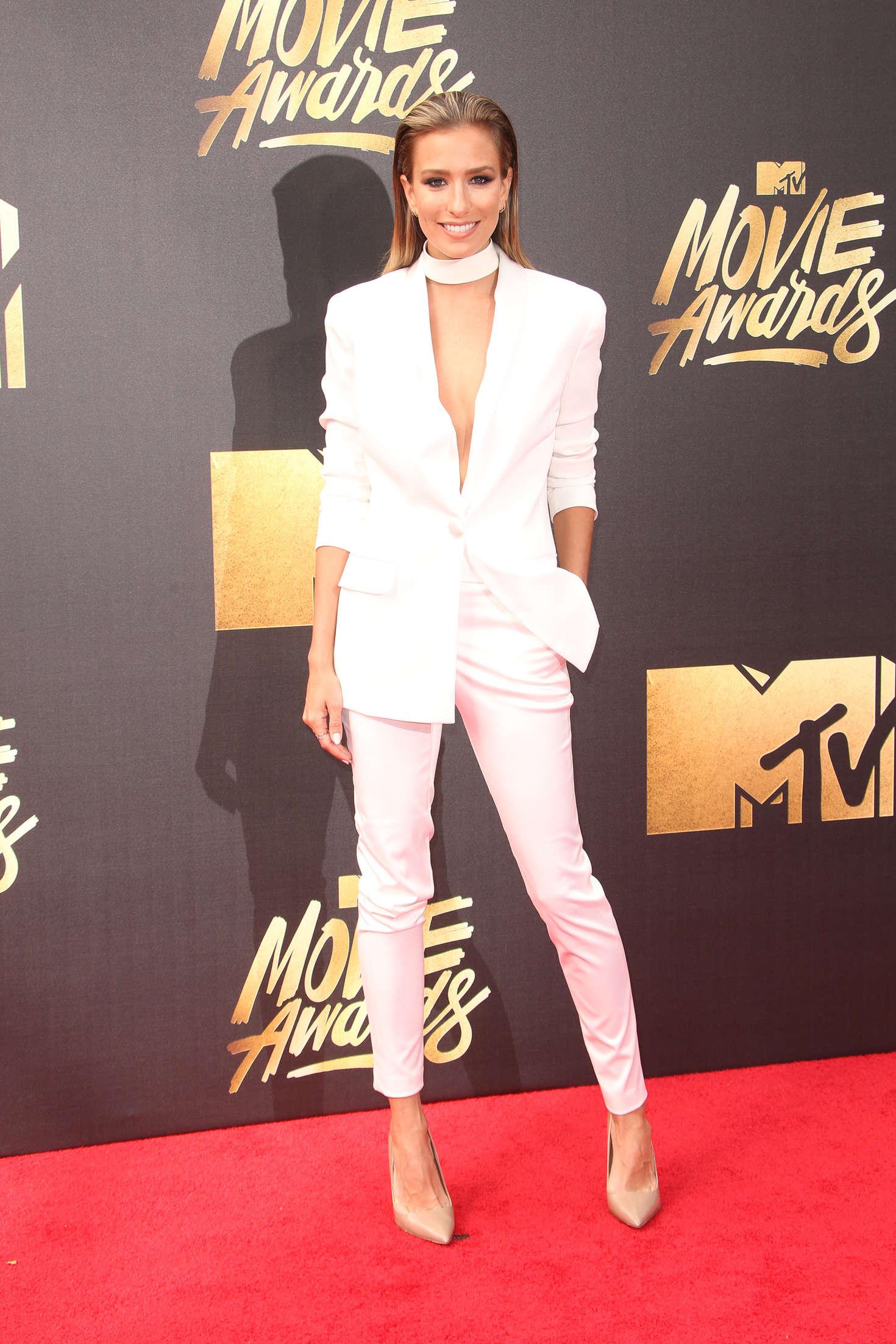 Renee Bargh MTV Movie Awards in Burbank