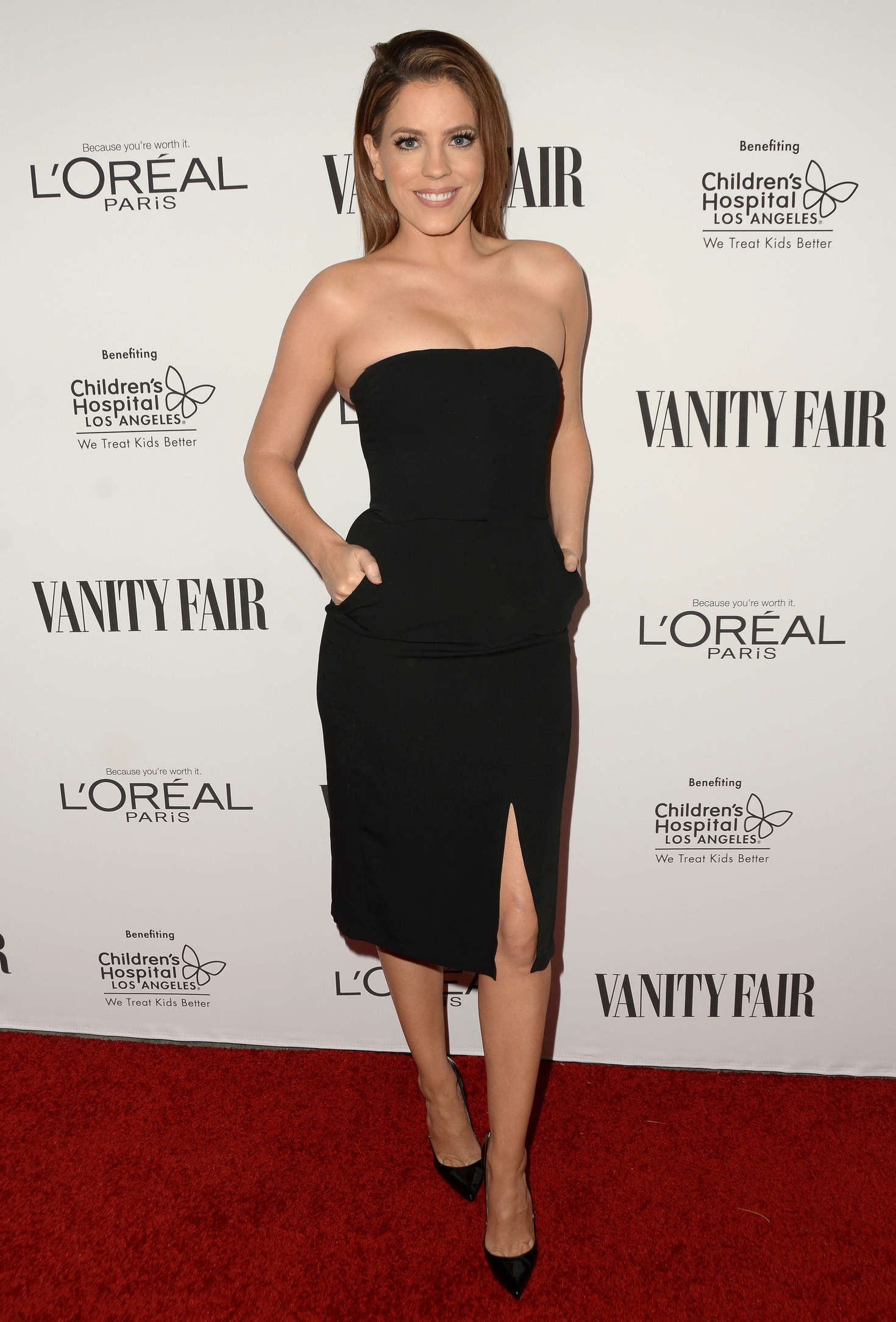Stephanie Bauer Vanity Fair LOreal Paris and Hailee Steinfeld host DJ Night in West Hollywood
