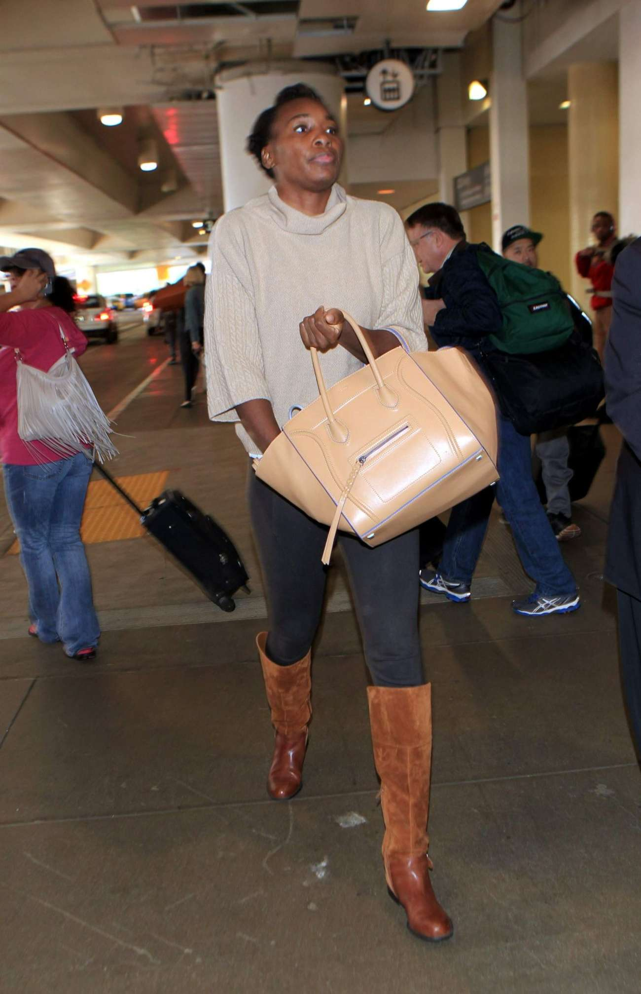 Venus Williams Arriving at LAX in Los Angeles
