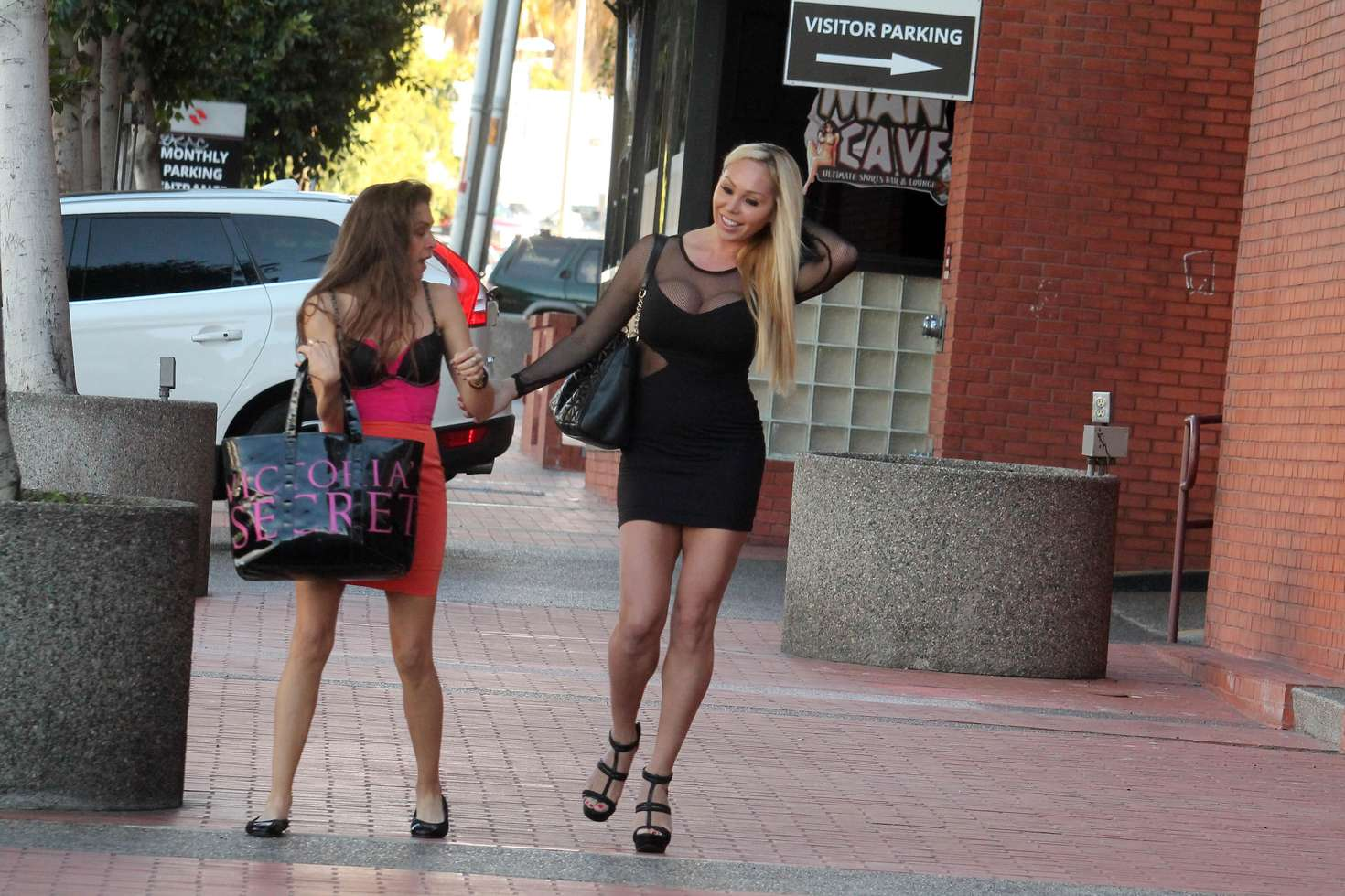 Alicia Arden and Mary Carey Shopping in Studio City