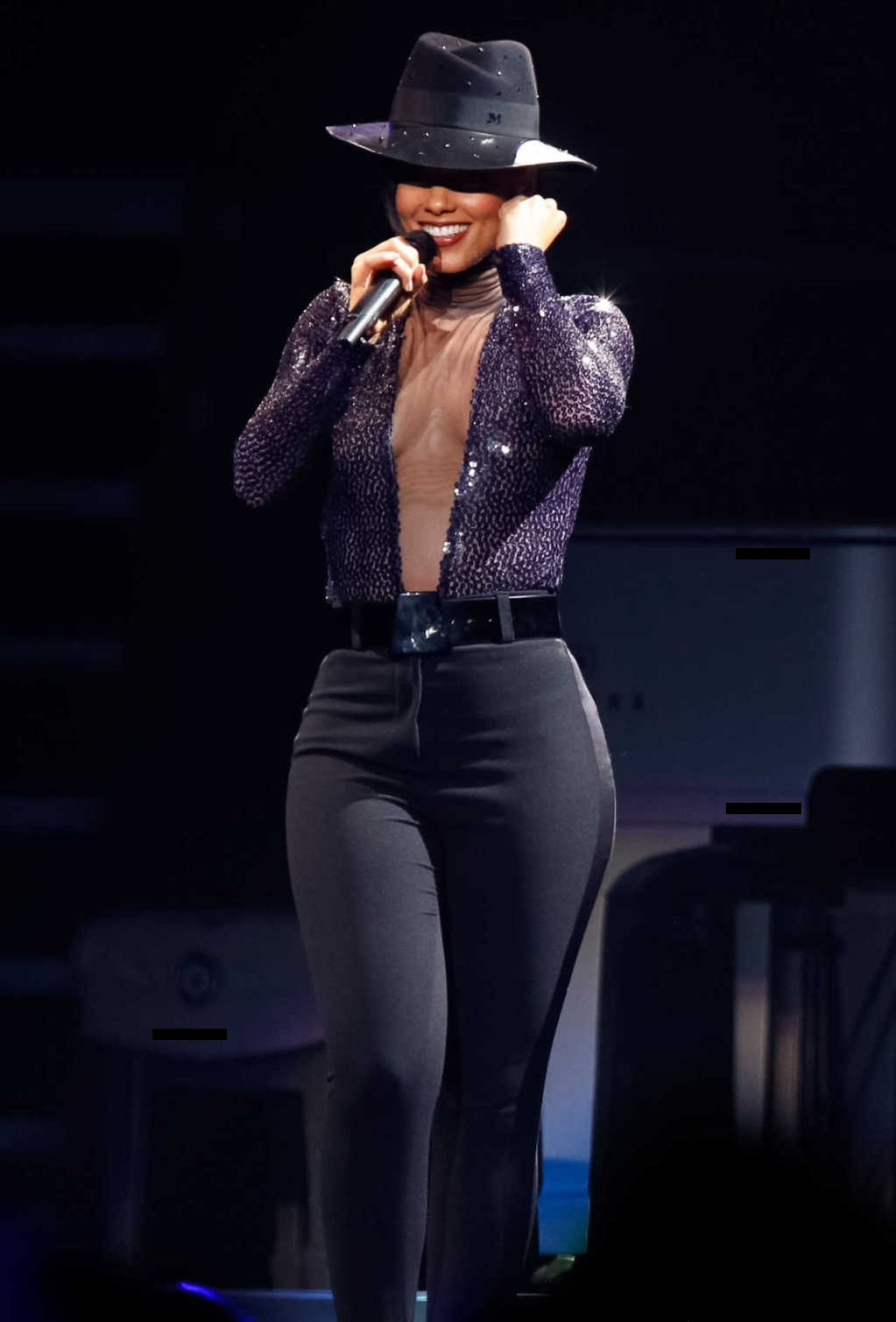 Alicia Keys Performing at the Staples Center