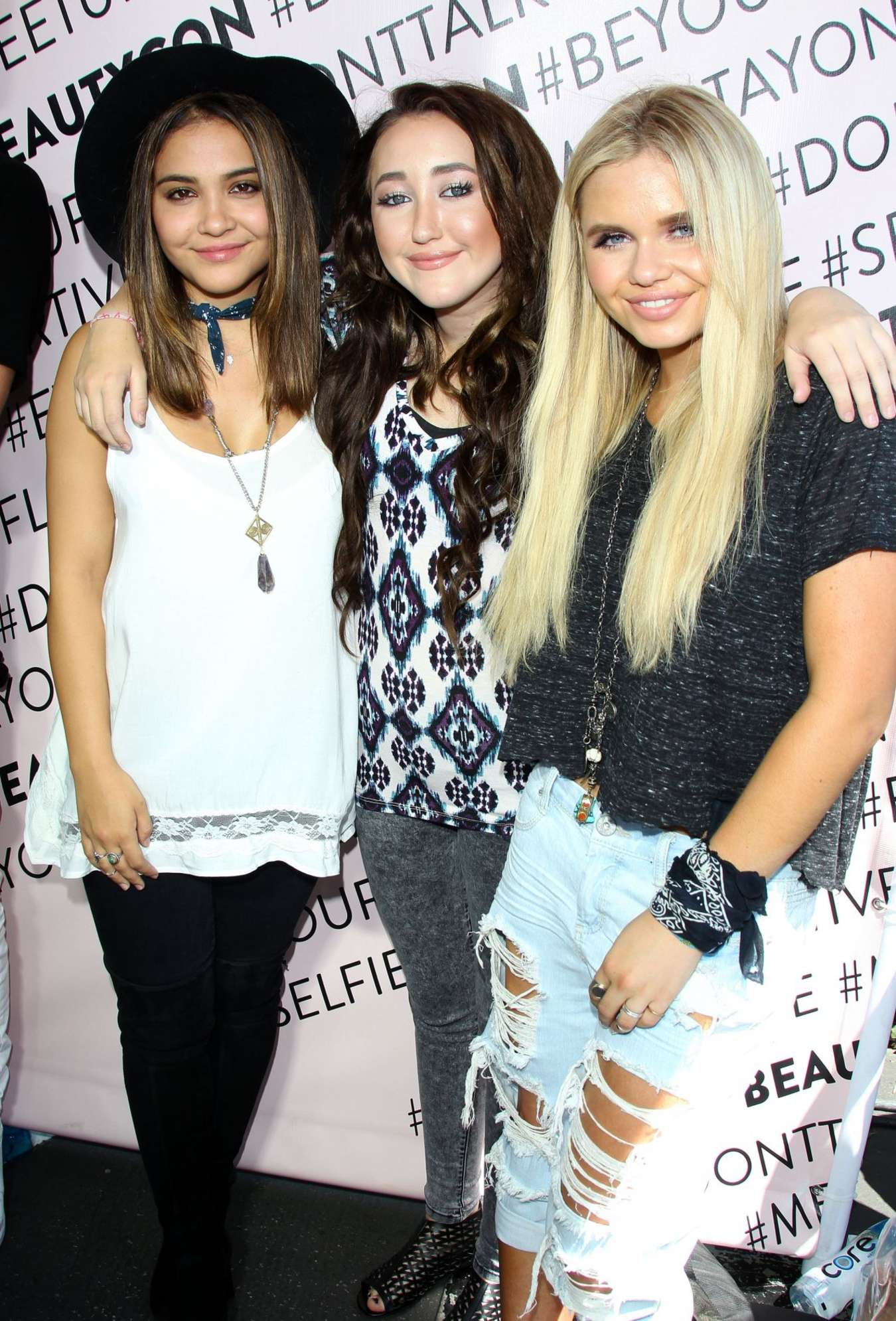 Alli Simpson BeautyCon in Los Angeles