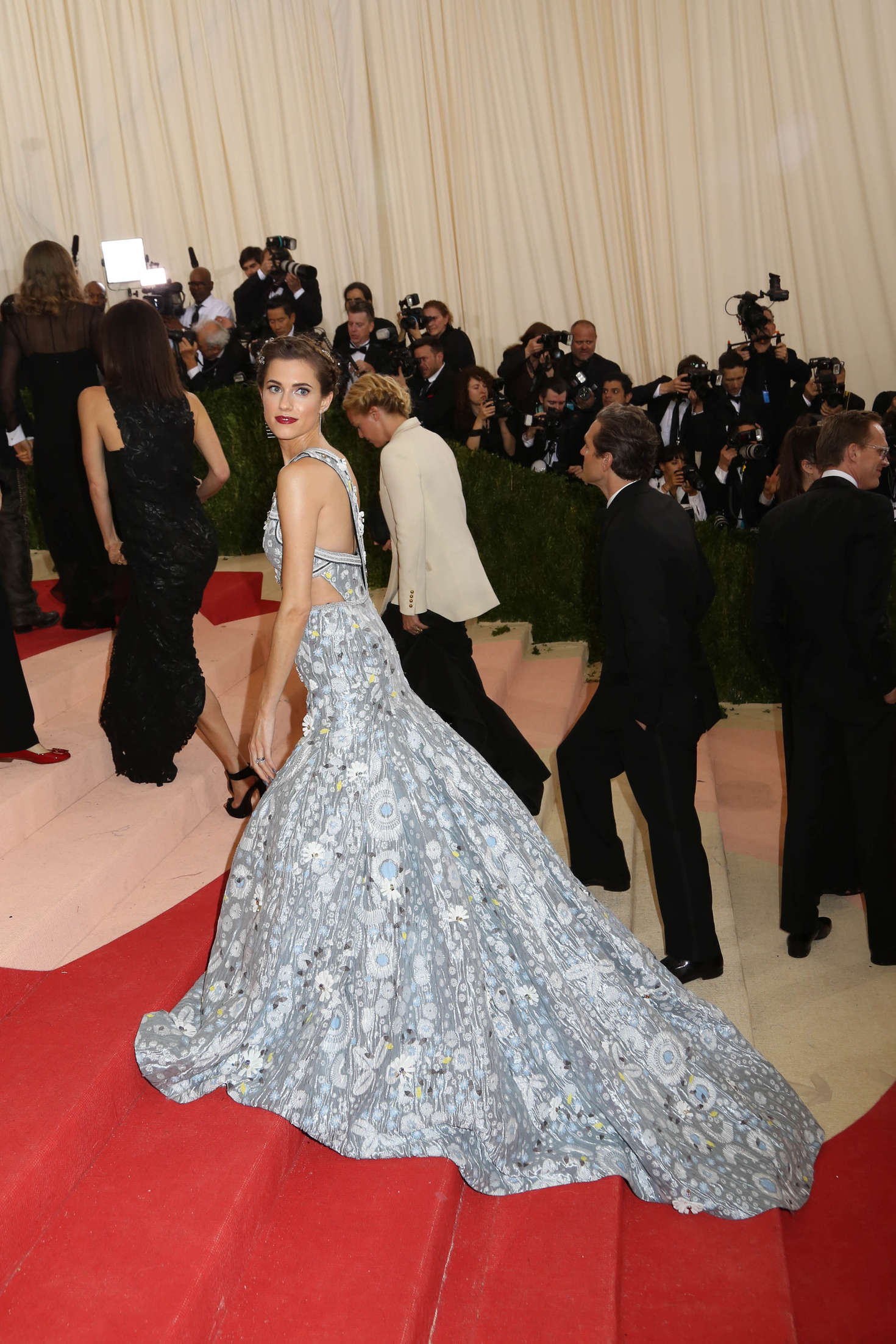 Allison Williams Met Gala in New York