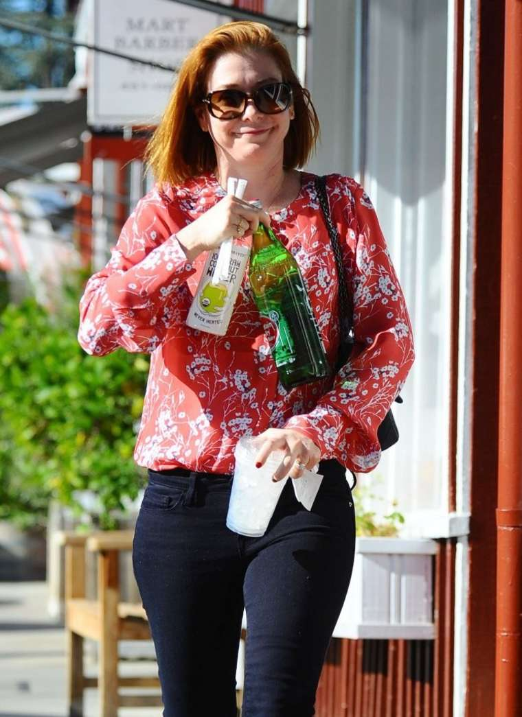 Alyson Hannigan at the Brentwood Country Mart