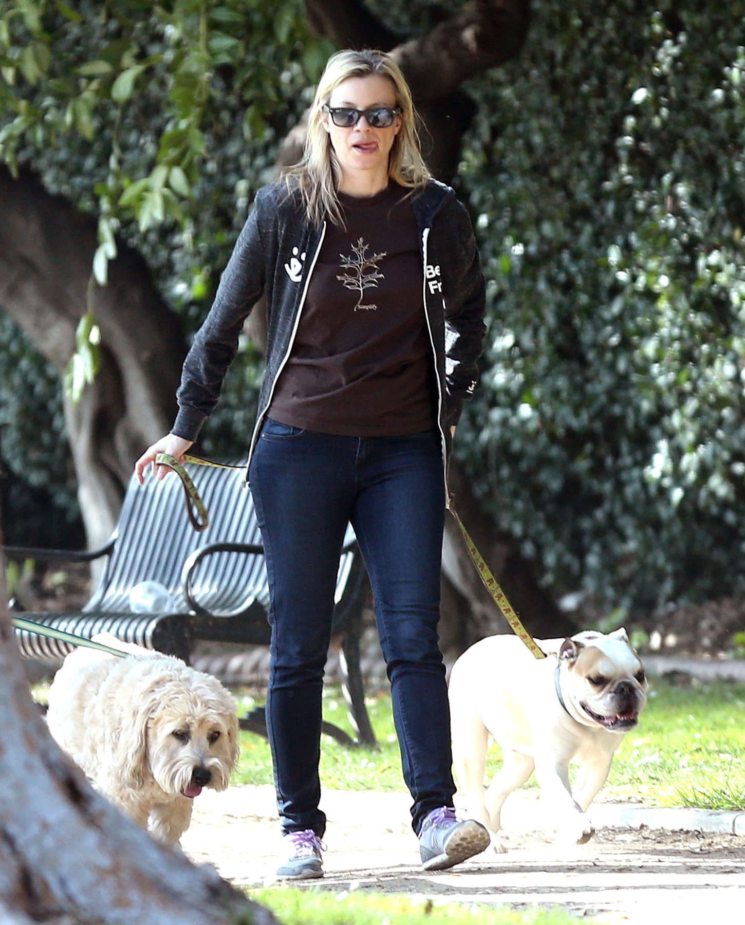 Amy Smart Walking her dog in Los Angeles