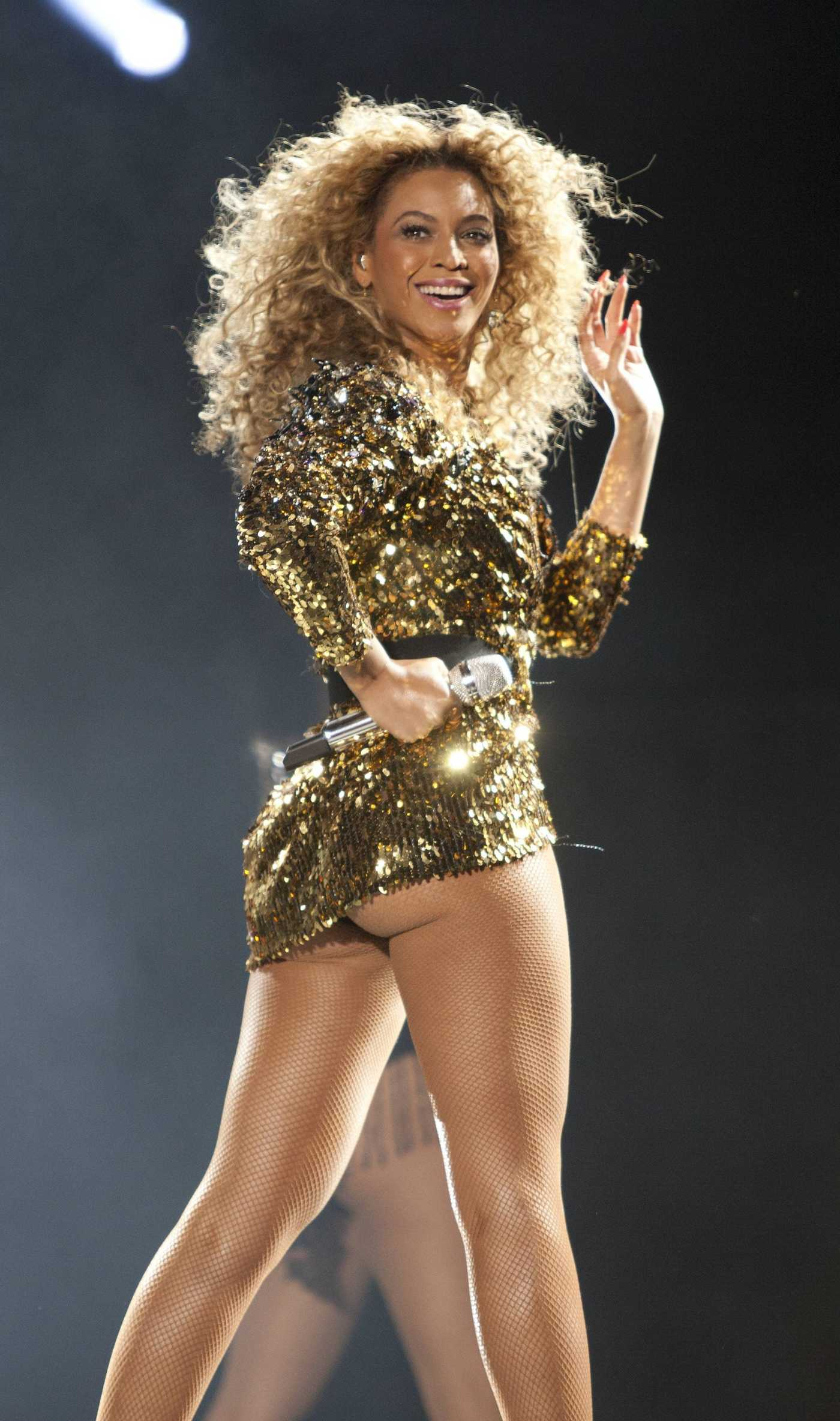 Beyonce Performs at The Glastonbury Festival June