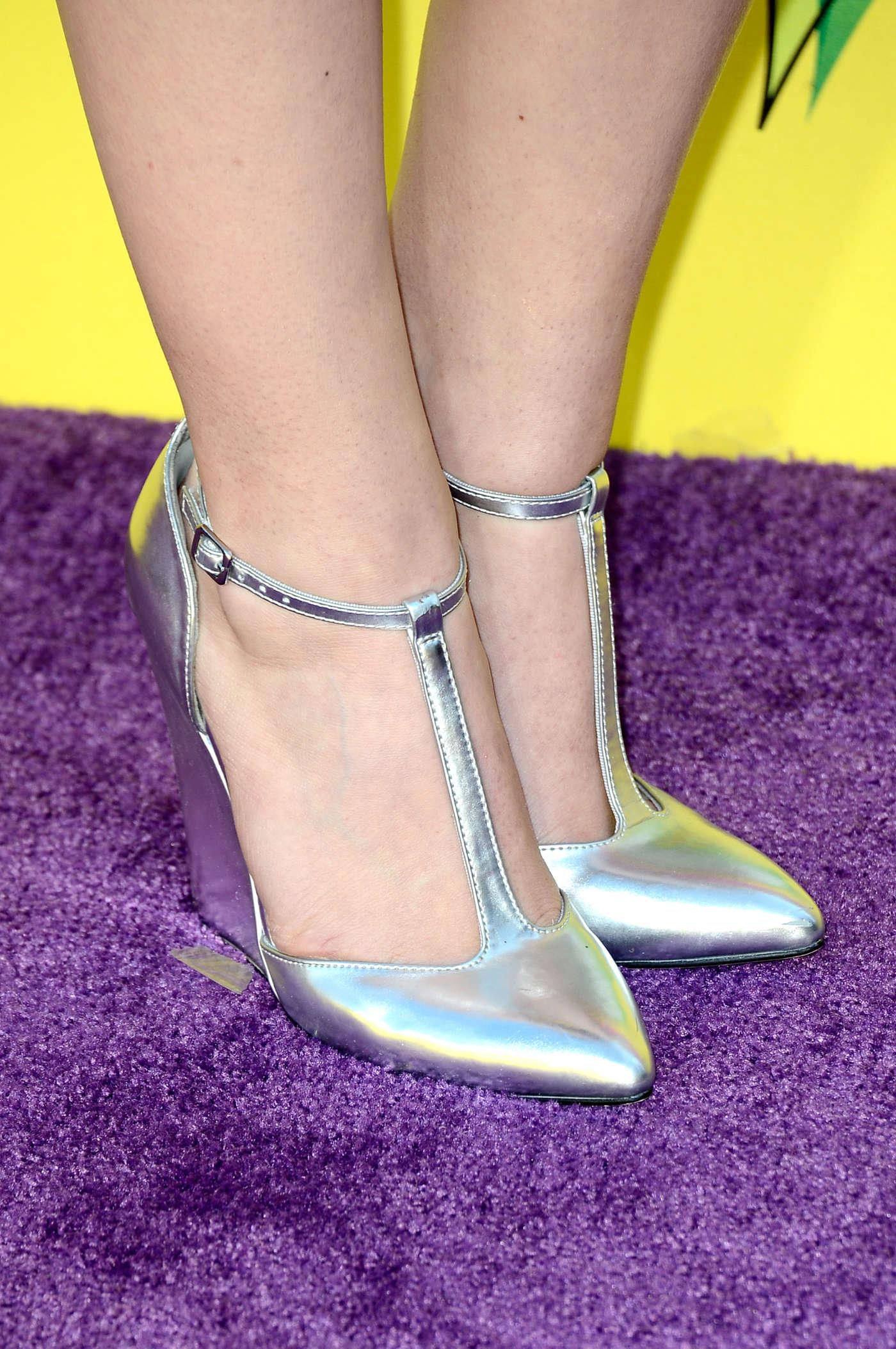 Bridgit Mendler Annual Kids Choice Awards in Los Angeles