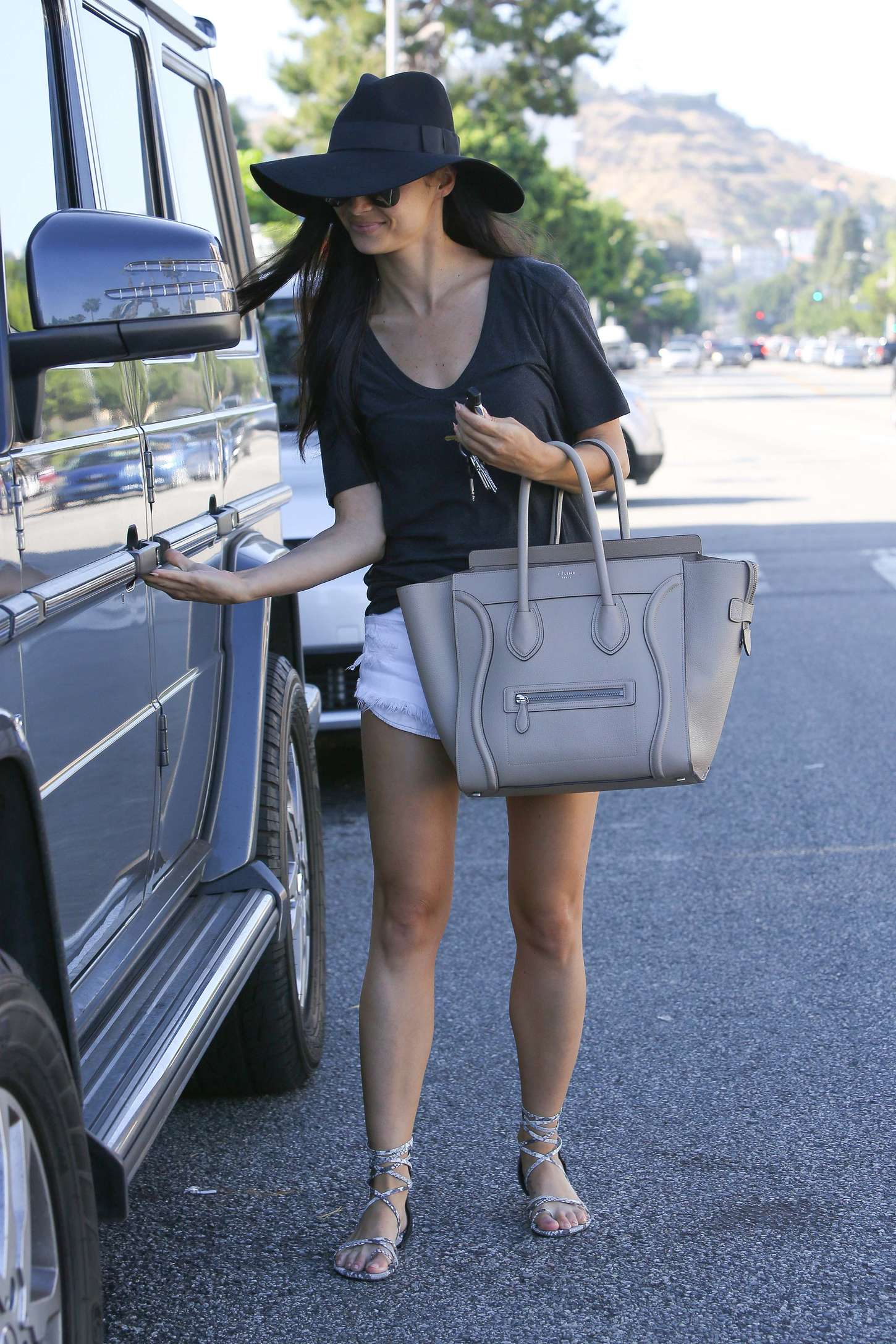 Cara Santana Leaving Nail Spa in Los Angeles