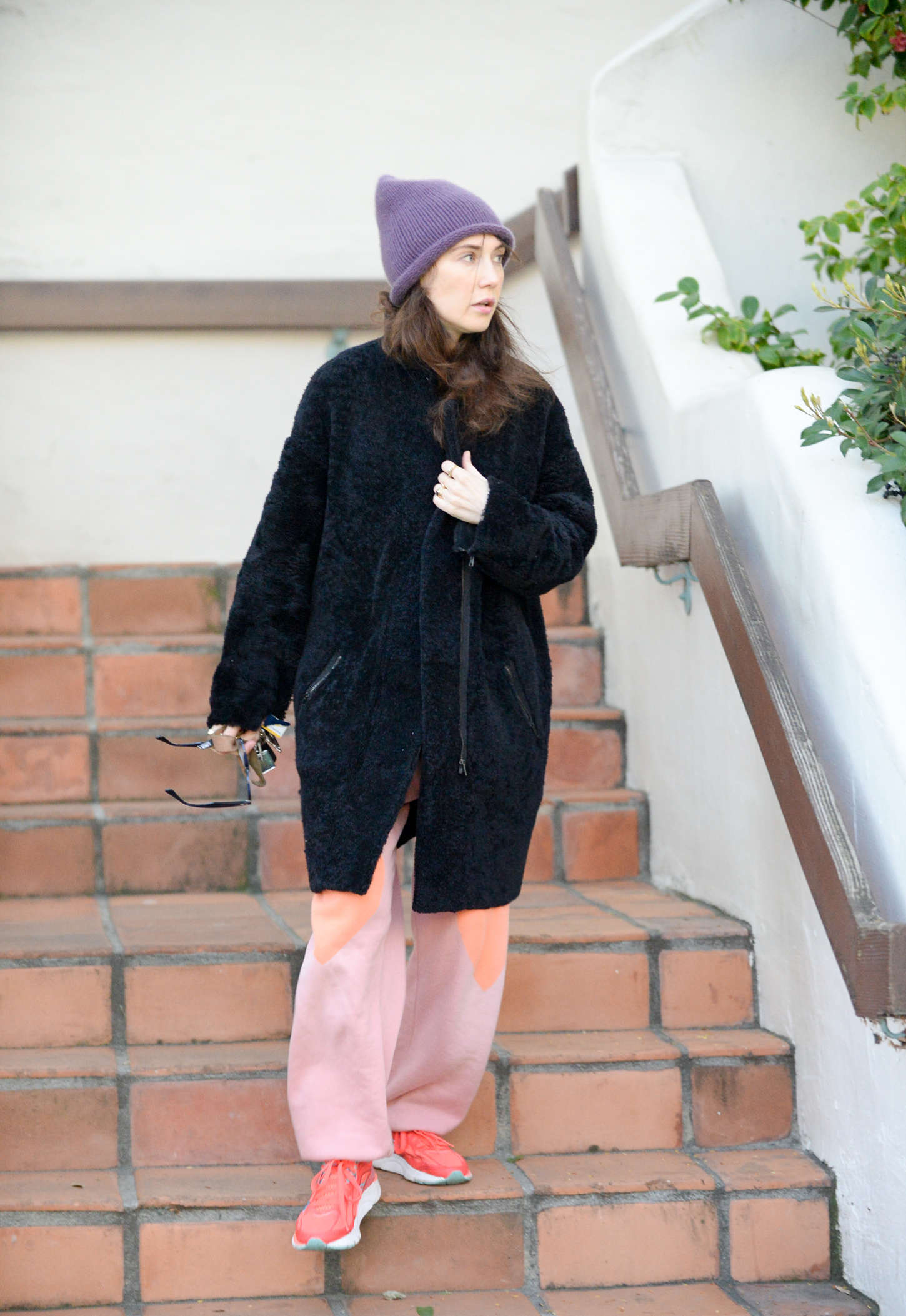 Carice van Houten Leaves house in West Hollywood
