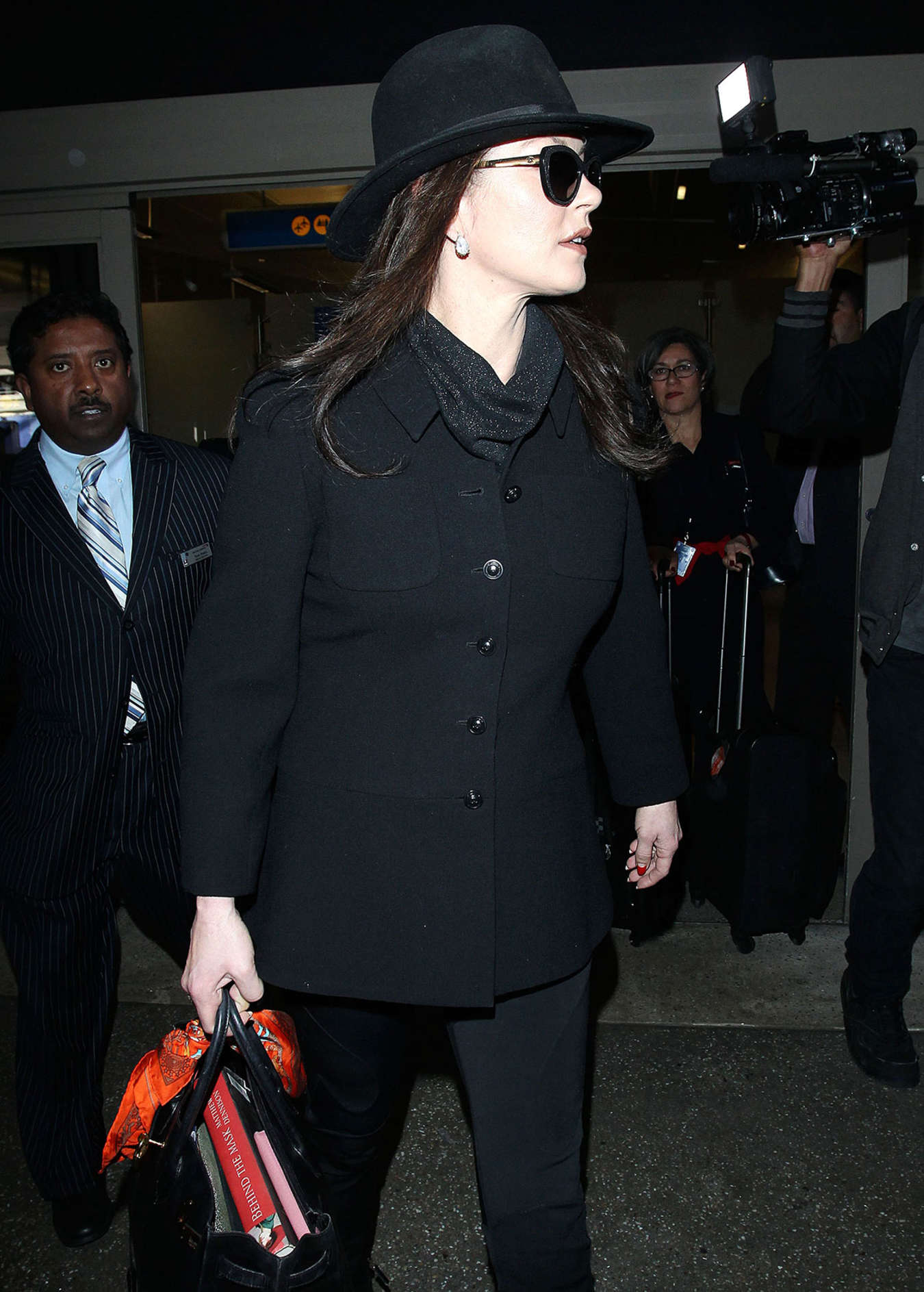 Catherine Zeta Jones Arrives at Los Angeles International Airport