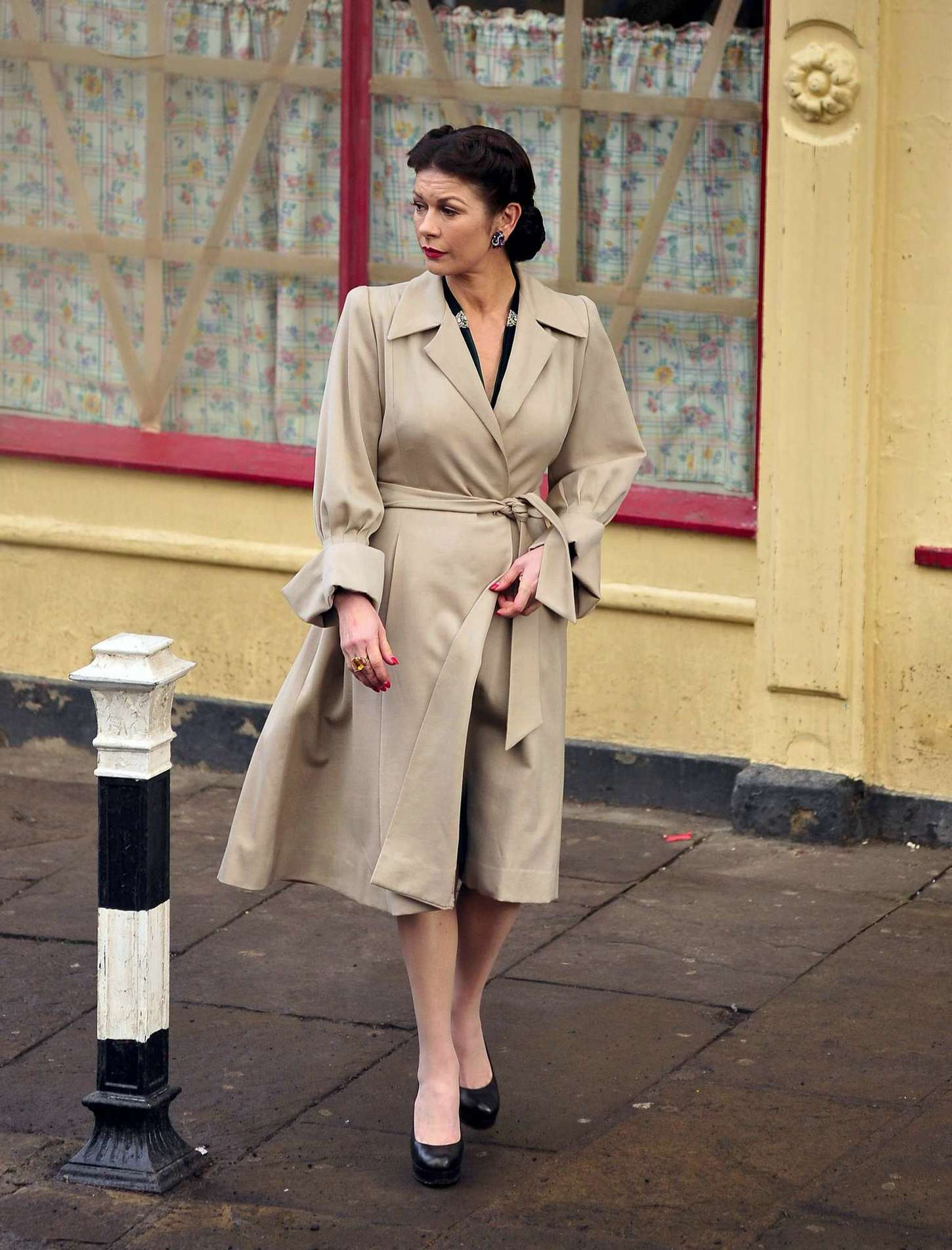 Catherine Zeta Jones on the set of Dads Army in Bridlington