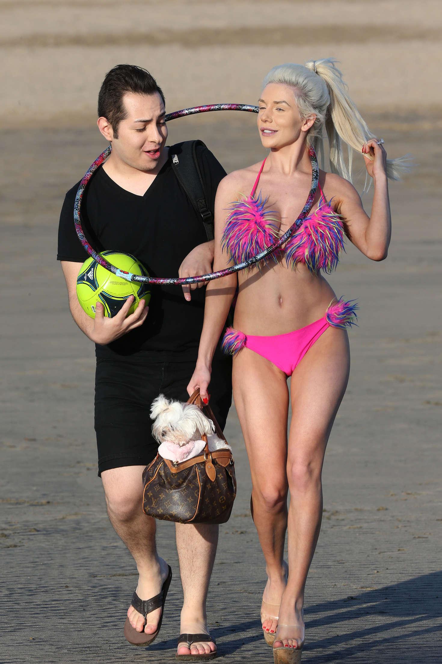 Courtney Stodden in Pink Bikini in Los Angeles