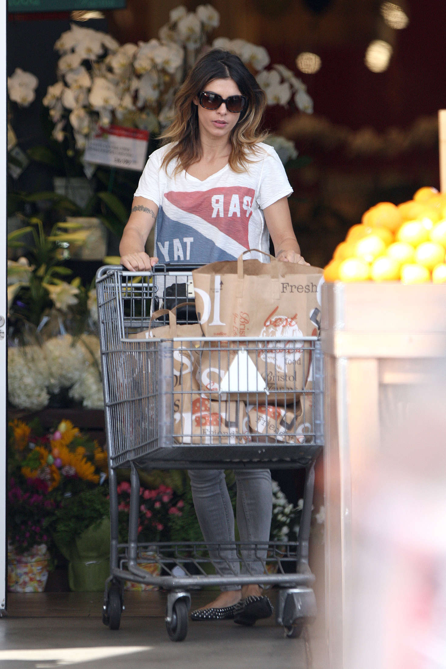Elisabetta Canalis shopping in Beverly Hills