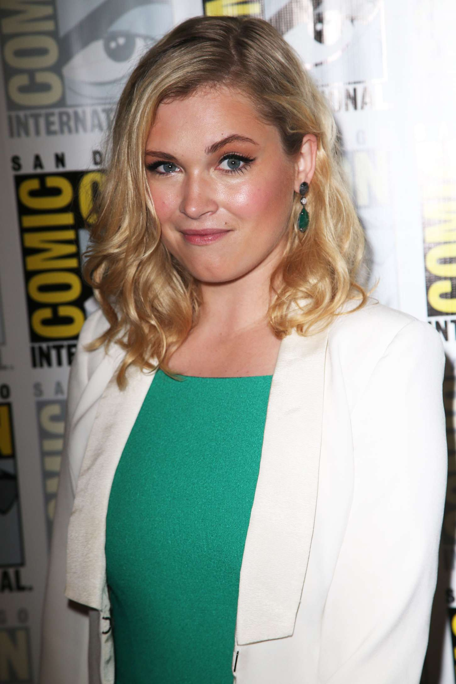 Eliza Taylor The Press Line During Comic-Con in San Diego