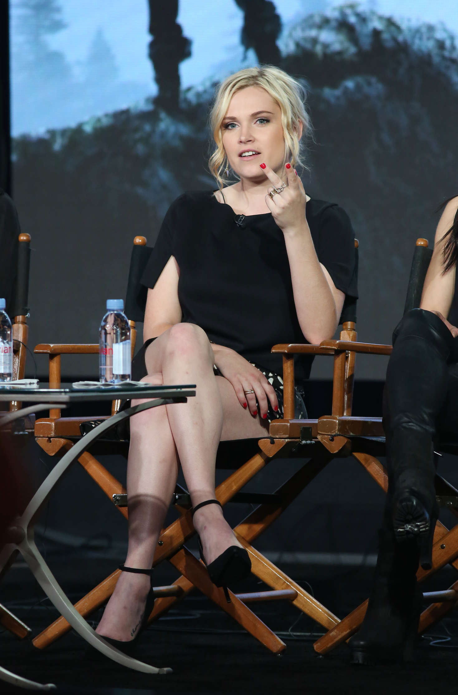 Eliza Taylor Winter TCA Tour in Pasadena