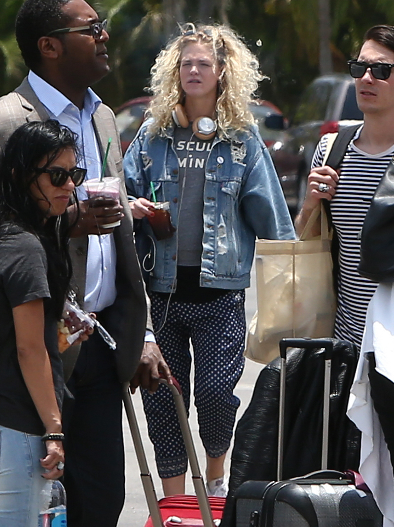 Erin Heatherton Arriving at the airport in Mexico