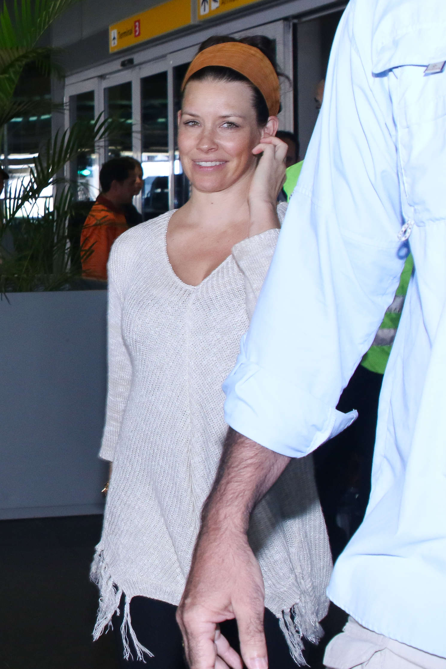 Evangeline Lilly Arrives in Sao Paulo