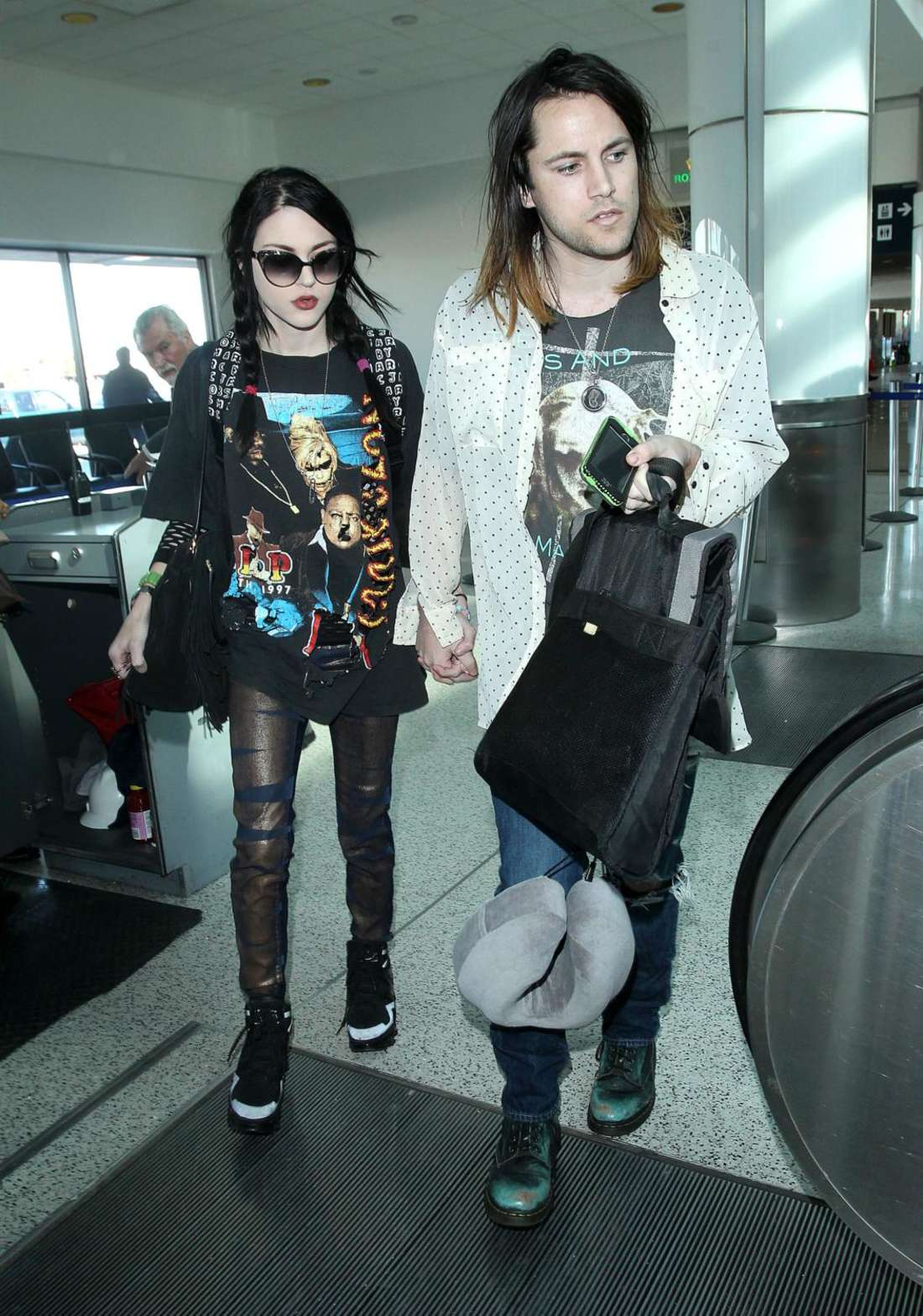 Frances Bean Cobain Arrives at Los Angeles International Airport