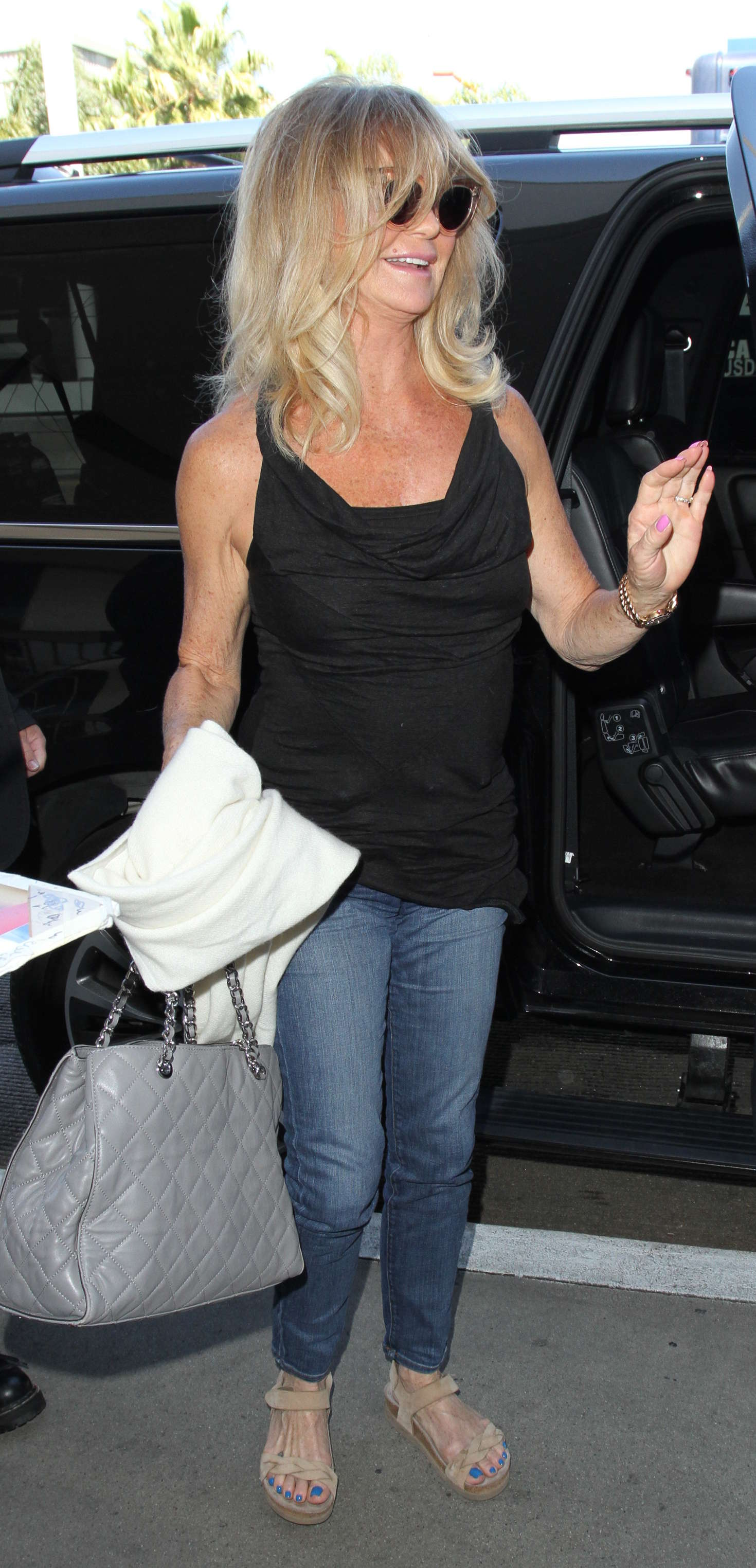 Goldie Hawn Arrives at Los Angeles International Airport