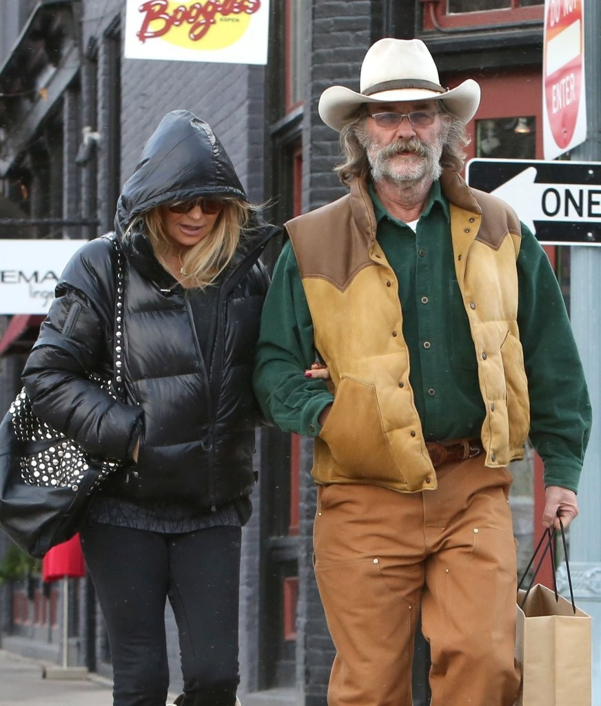 Goldie Hawn Christmas Shopping in Los Angeles