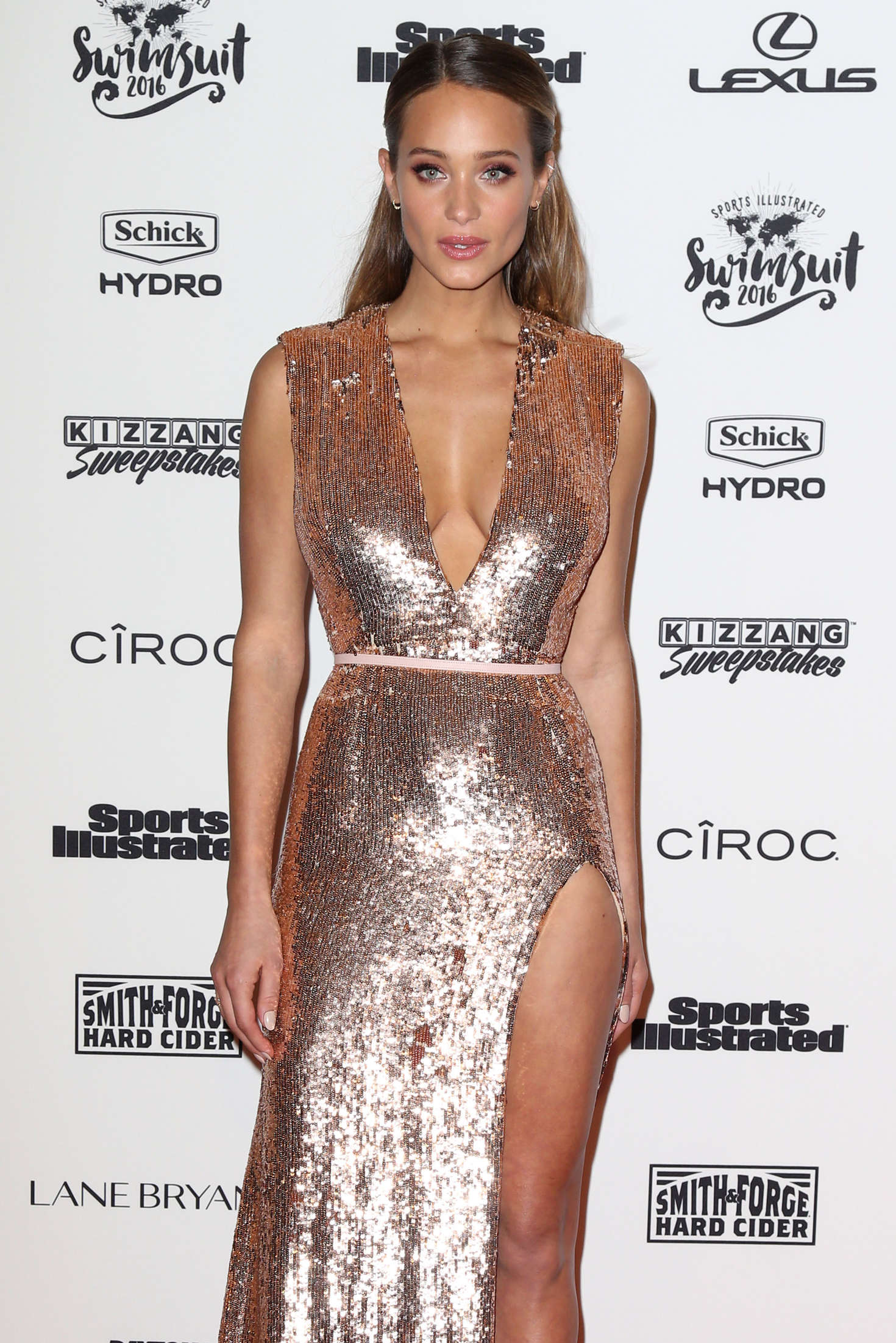 Hannah Davis Sports Illustrated Celebrates Swimsuit VIP Red Carpet Event in New York