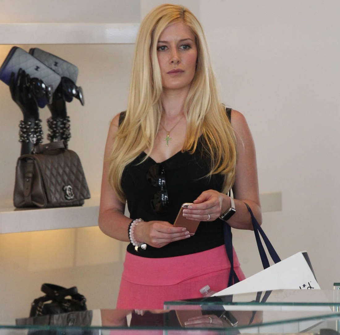 Heidi Montag Shopping in Los Angeles