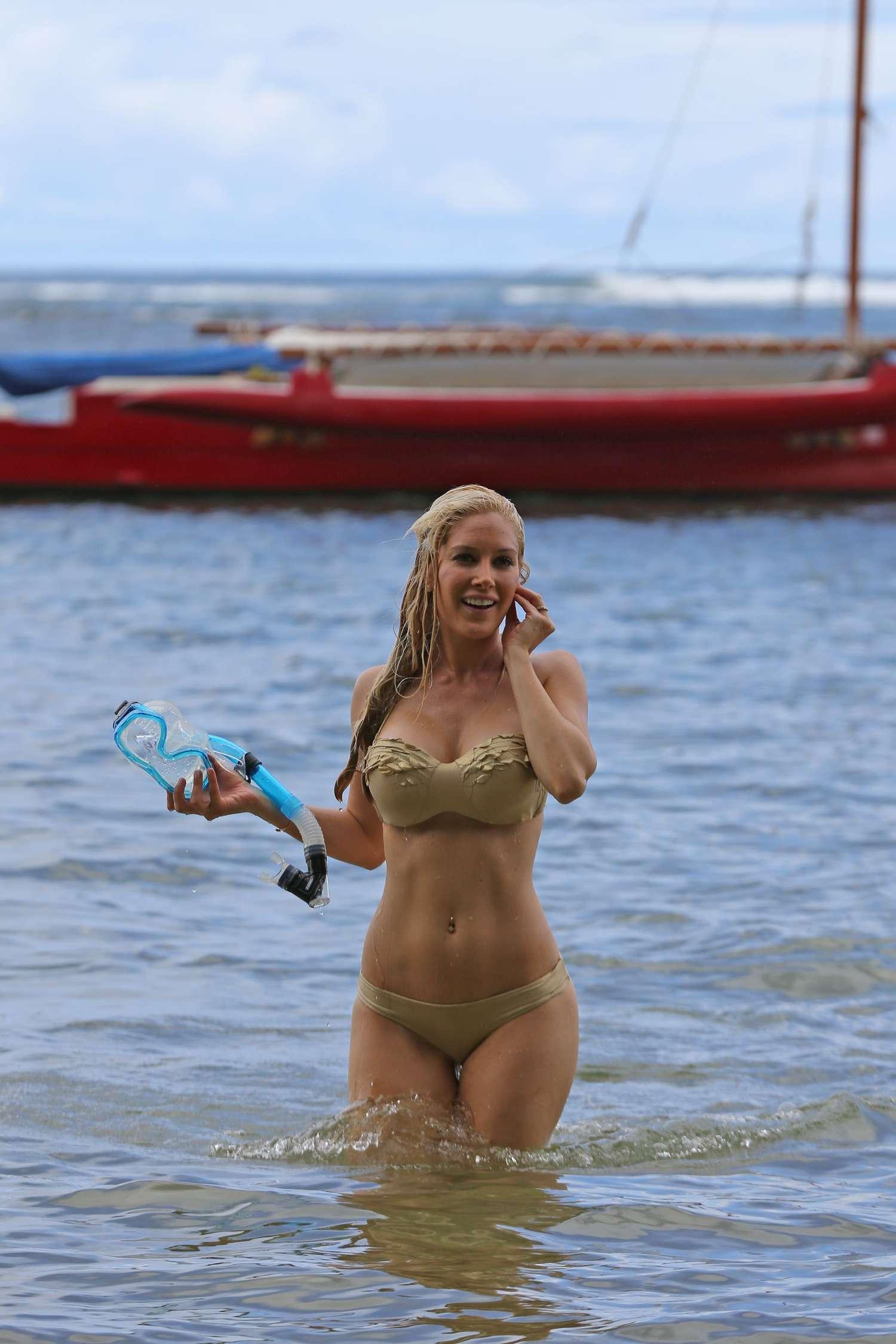 Heidi Montag Wearing Bikini in Hawaii