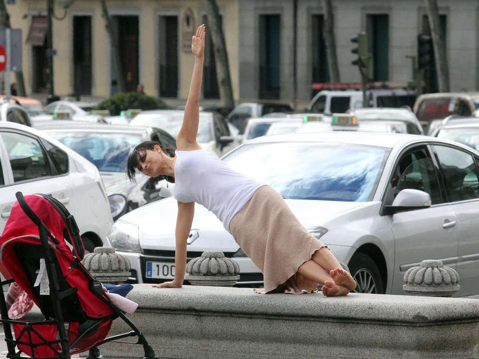 Hilaria Baldwin Practicing Yoga