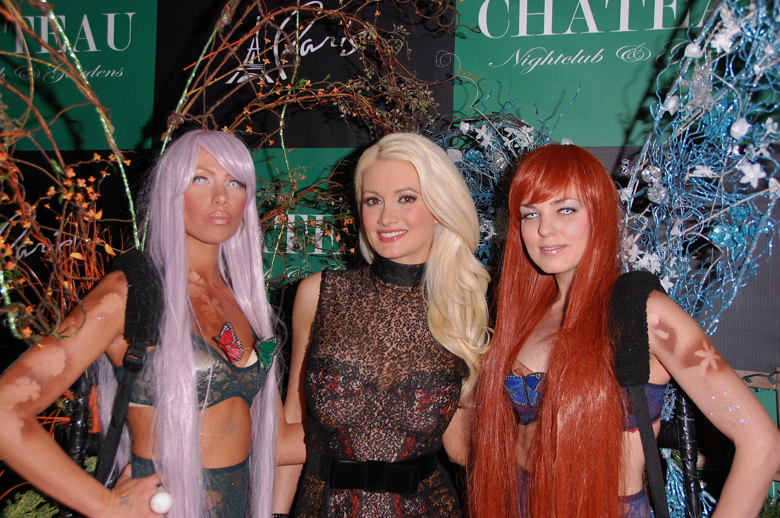 Holly Madison at Hollys World Season Party in Las Vegas