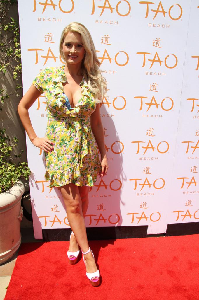 Holly Madison at Tao Beach Season Grand Opening in Las Vegas