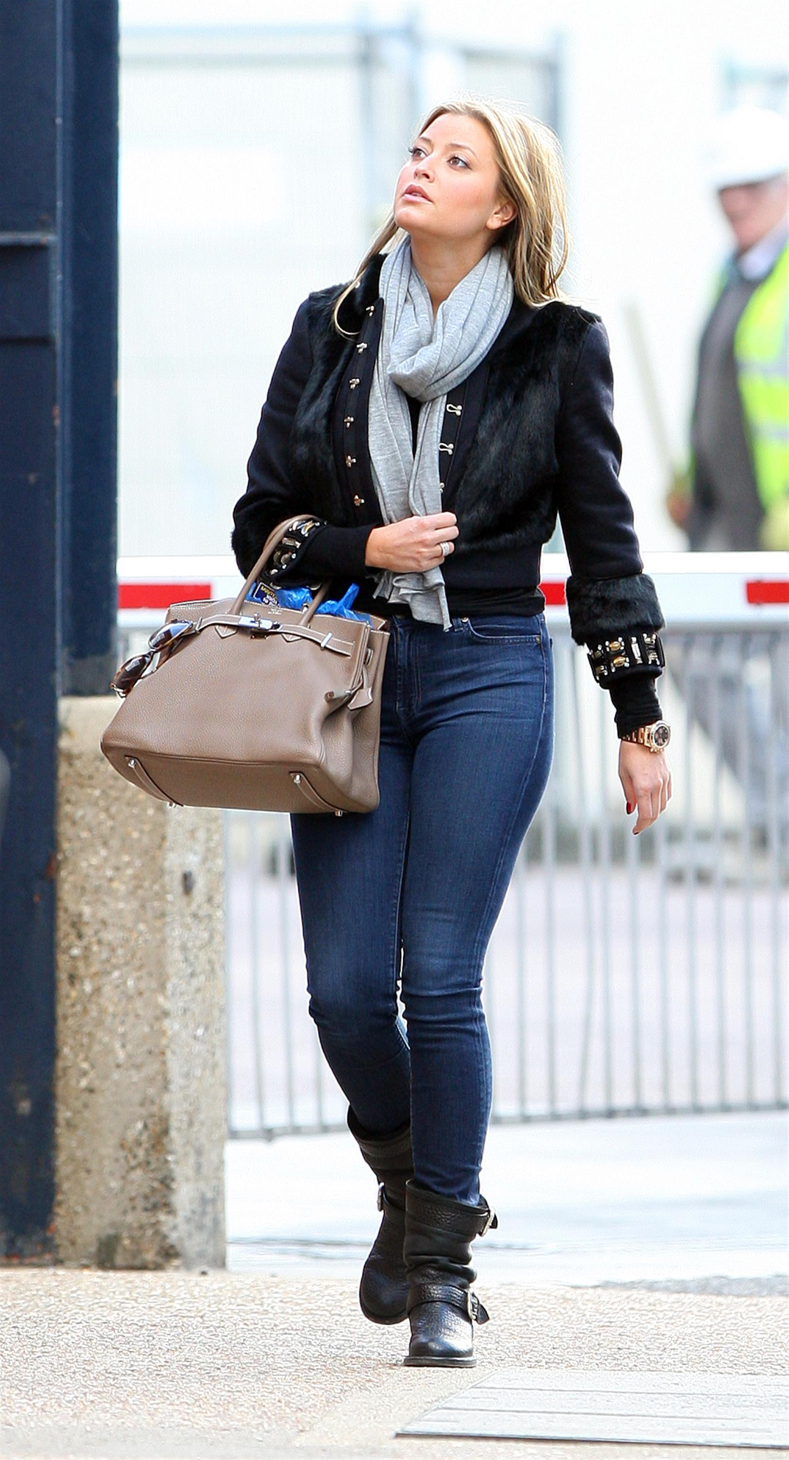 Holly Valance Tight Jeans at Dance Studios in London