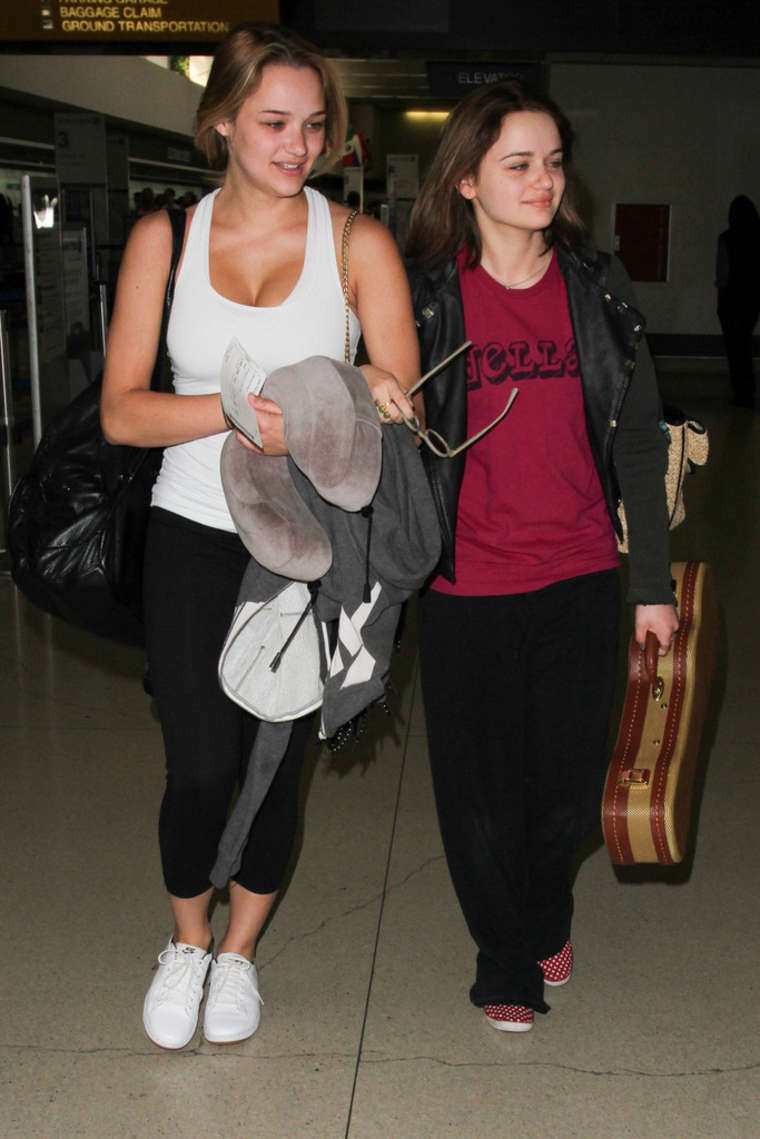 Hunter Haley King Arriving at LAX Airport in Los Angeles