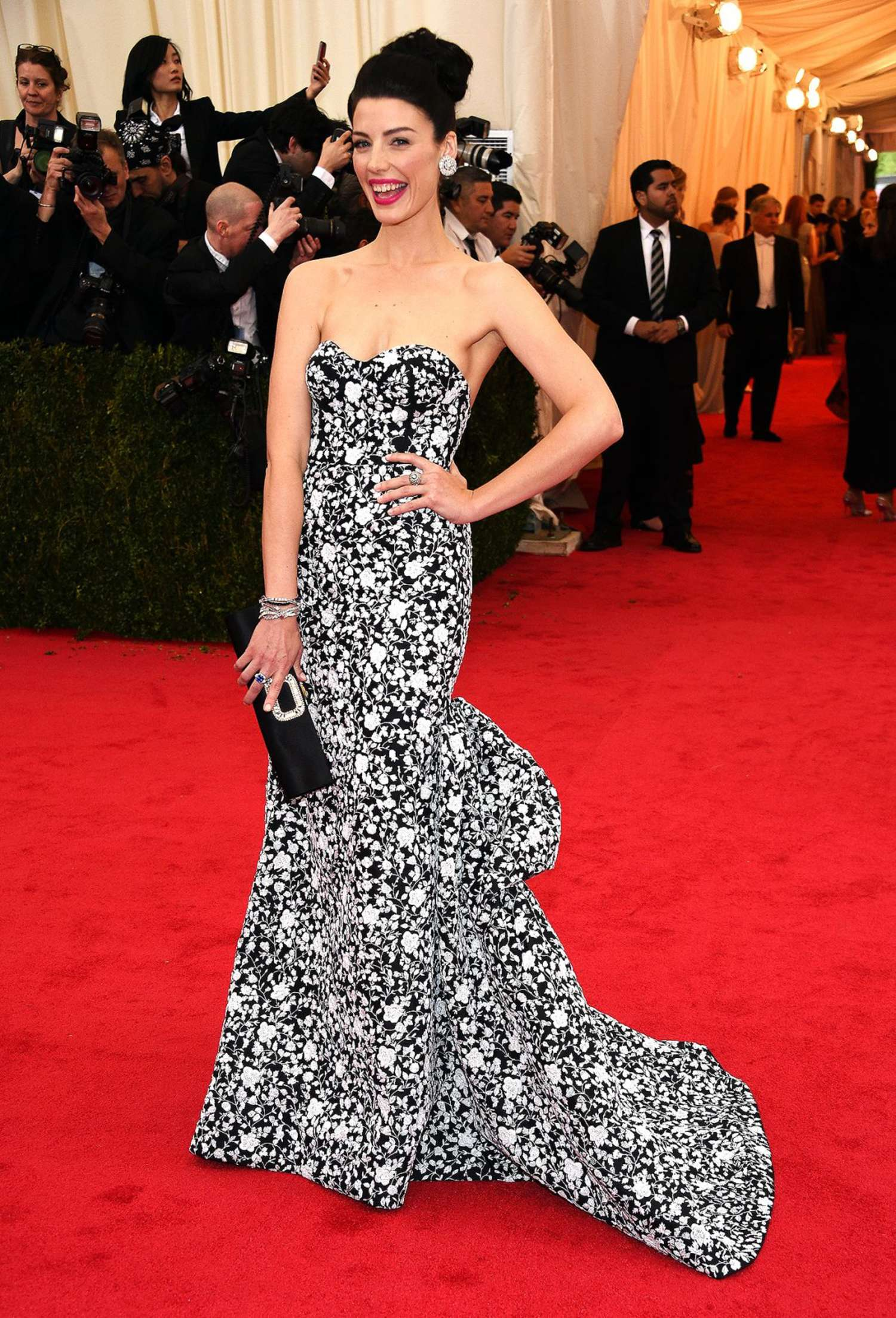 Jessica Pare Met Gala in New York